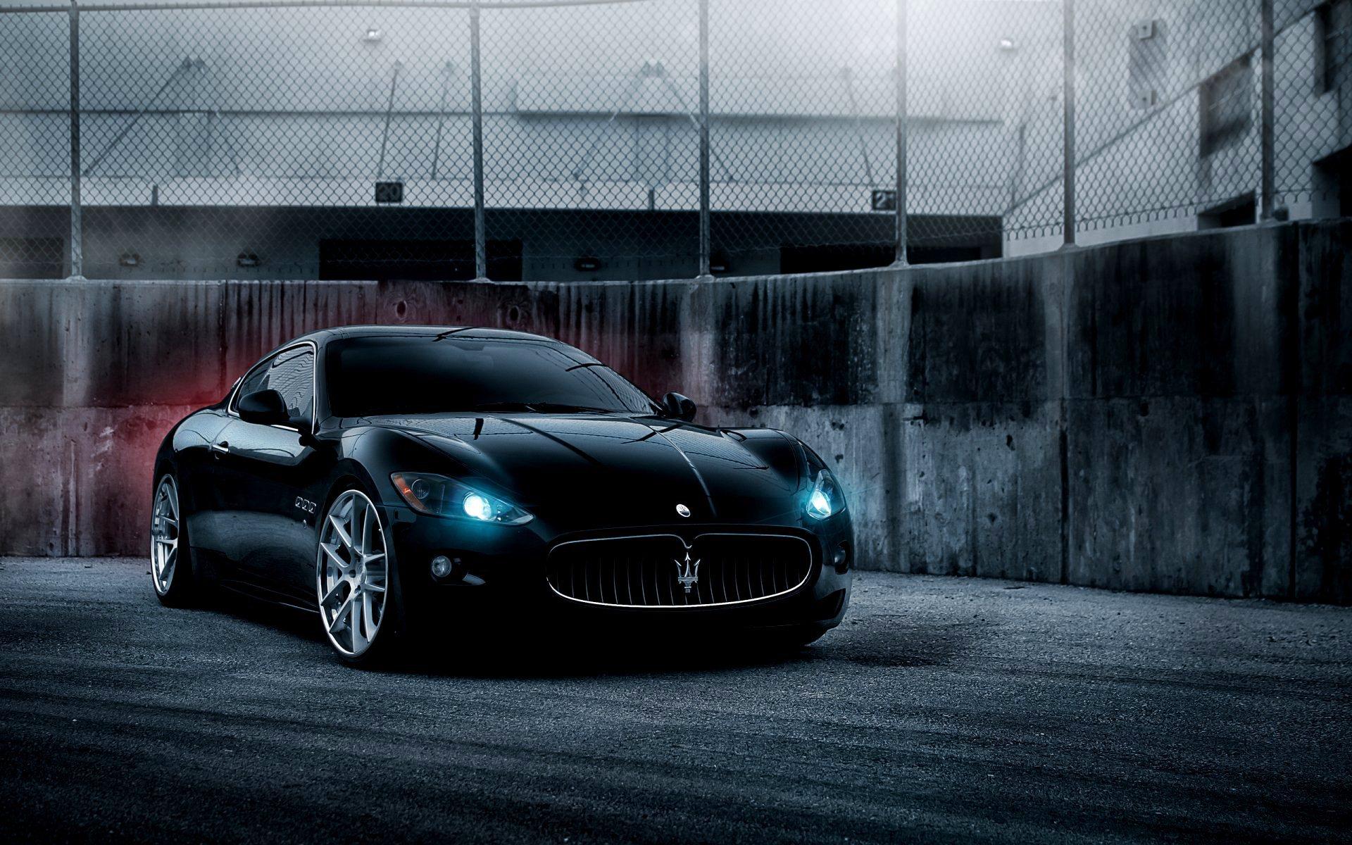 Фото машины черный