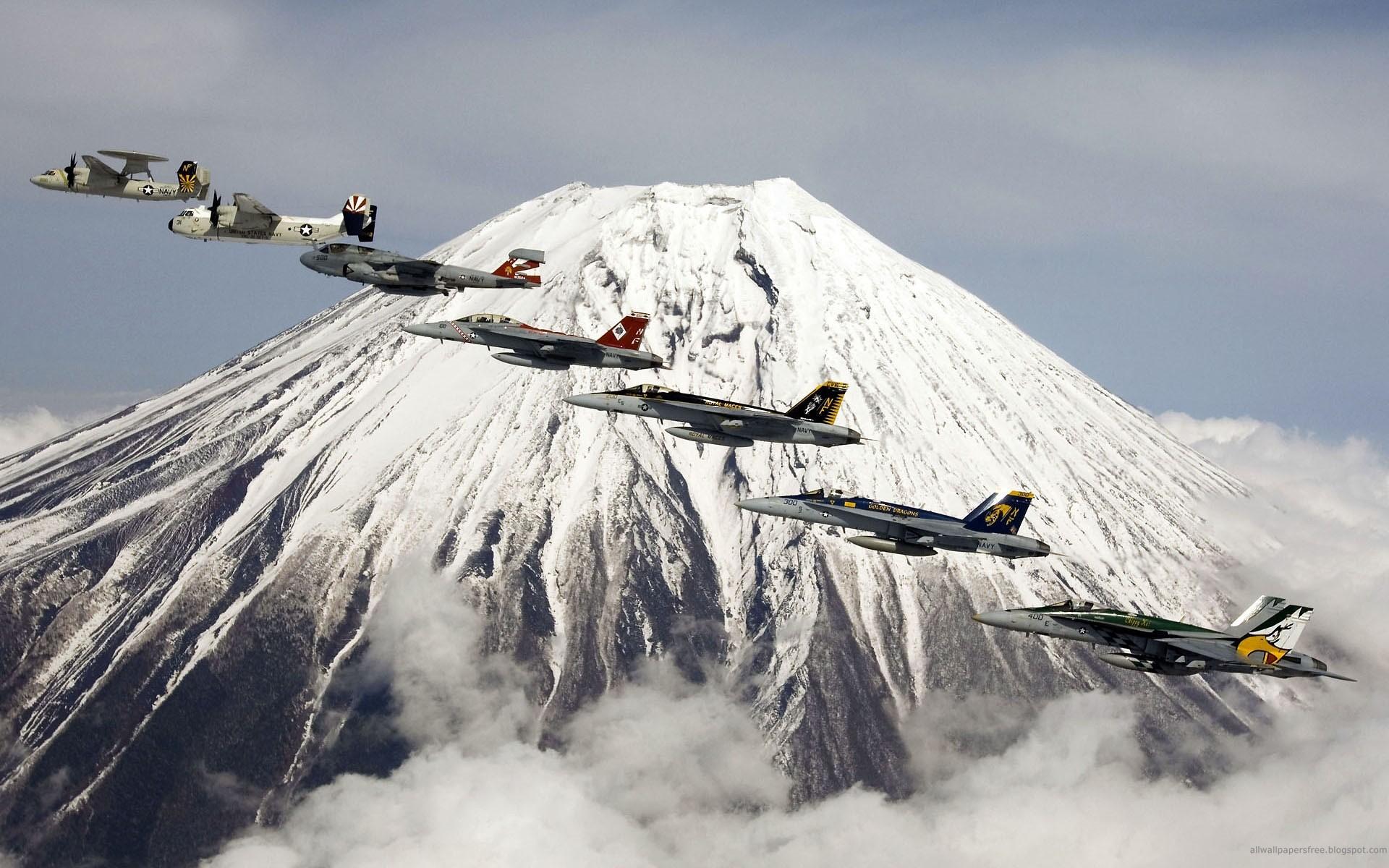 социальных летящий самолет на фоне вулкана в картинках диаграммы