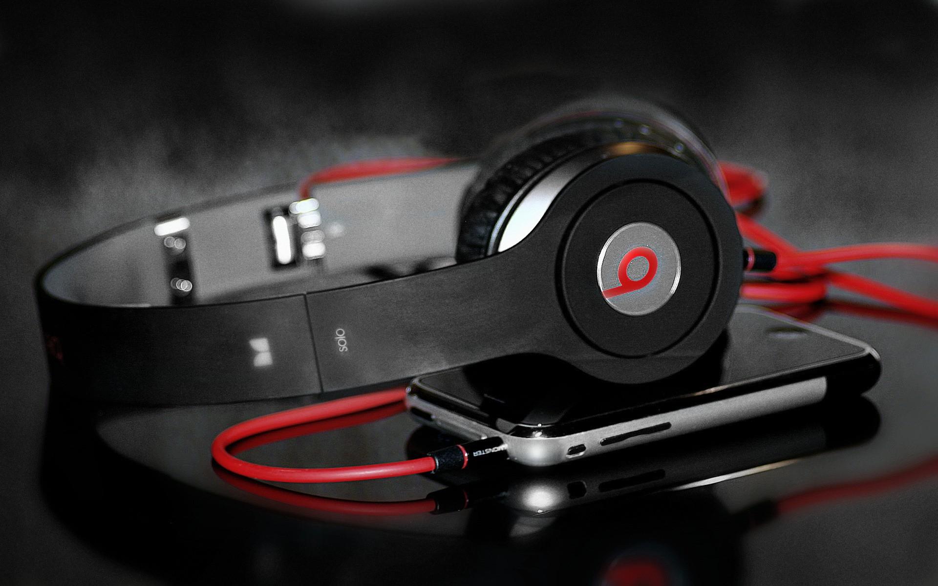 headphones music video - 1400×762