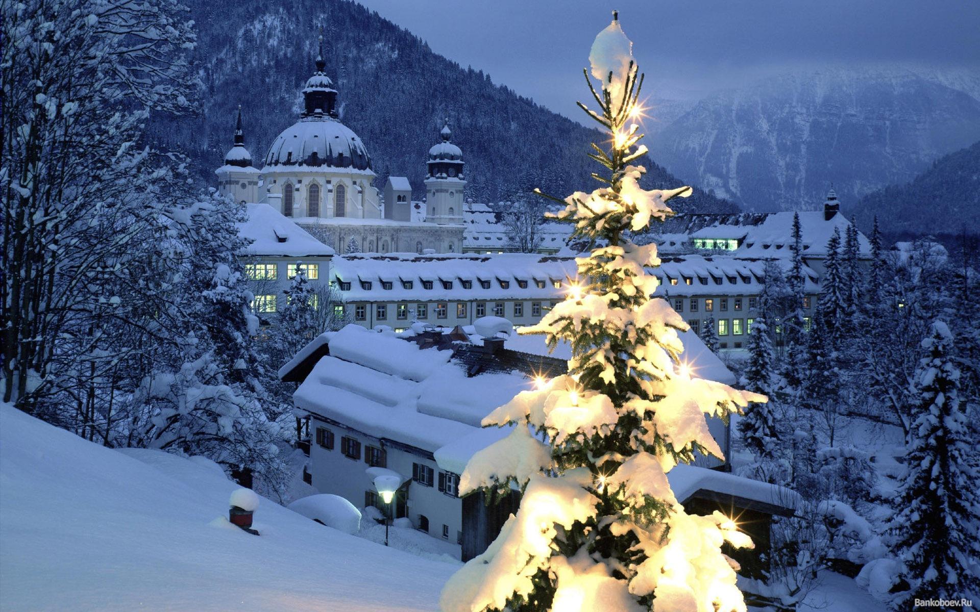 Popular Wallpaper Mountain Christmas - Christmas_wallpapers_Christmas_in_the_mountains_088651_  Best Photo Reference_96815.jpg