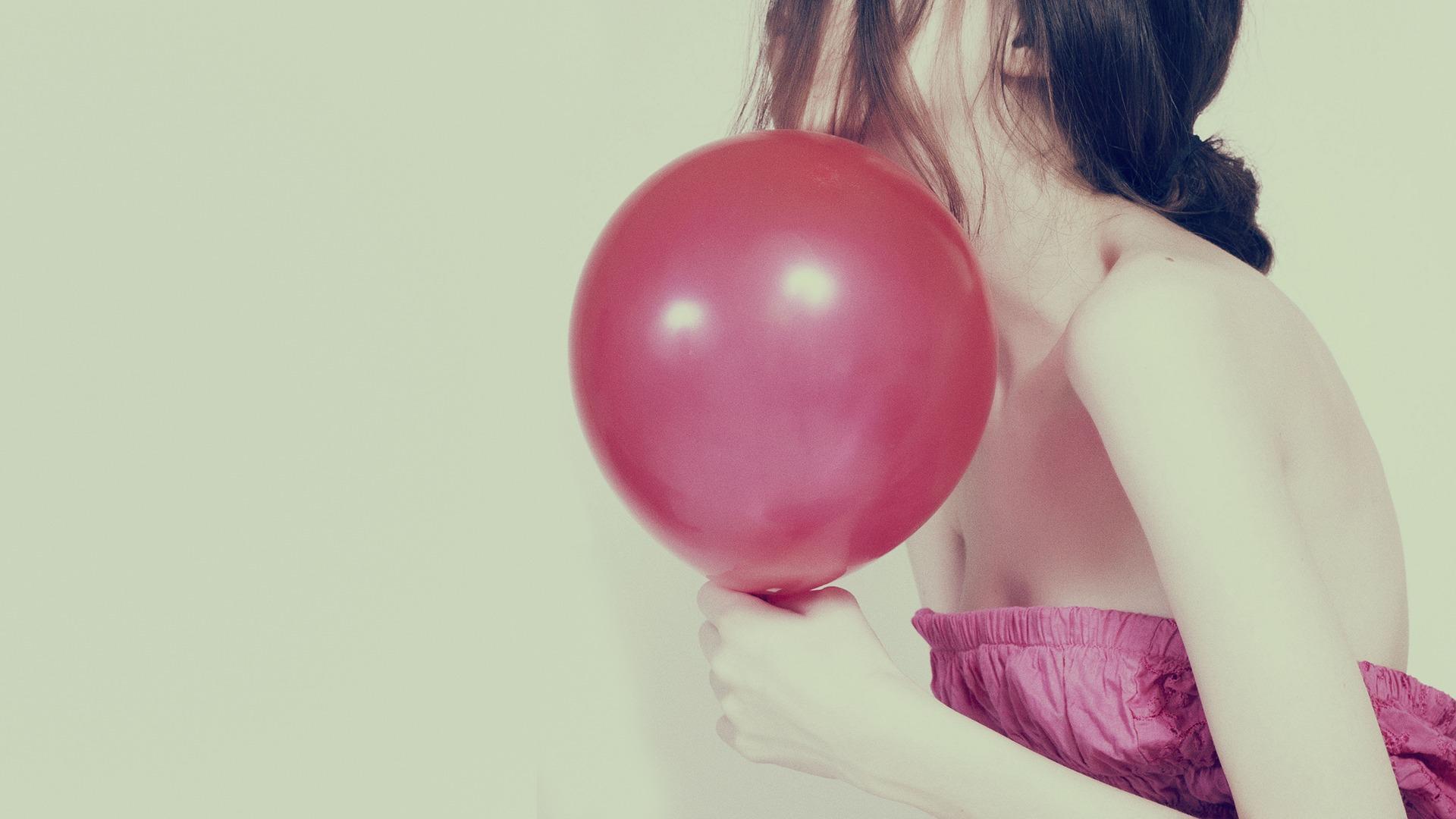 Девушки с шариком картинки