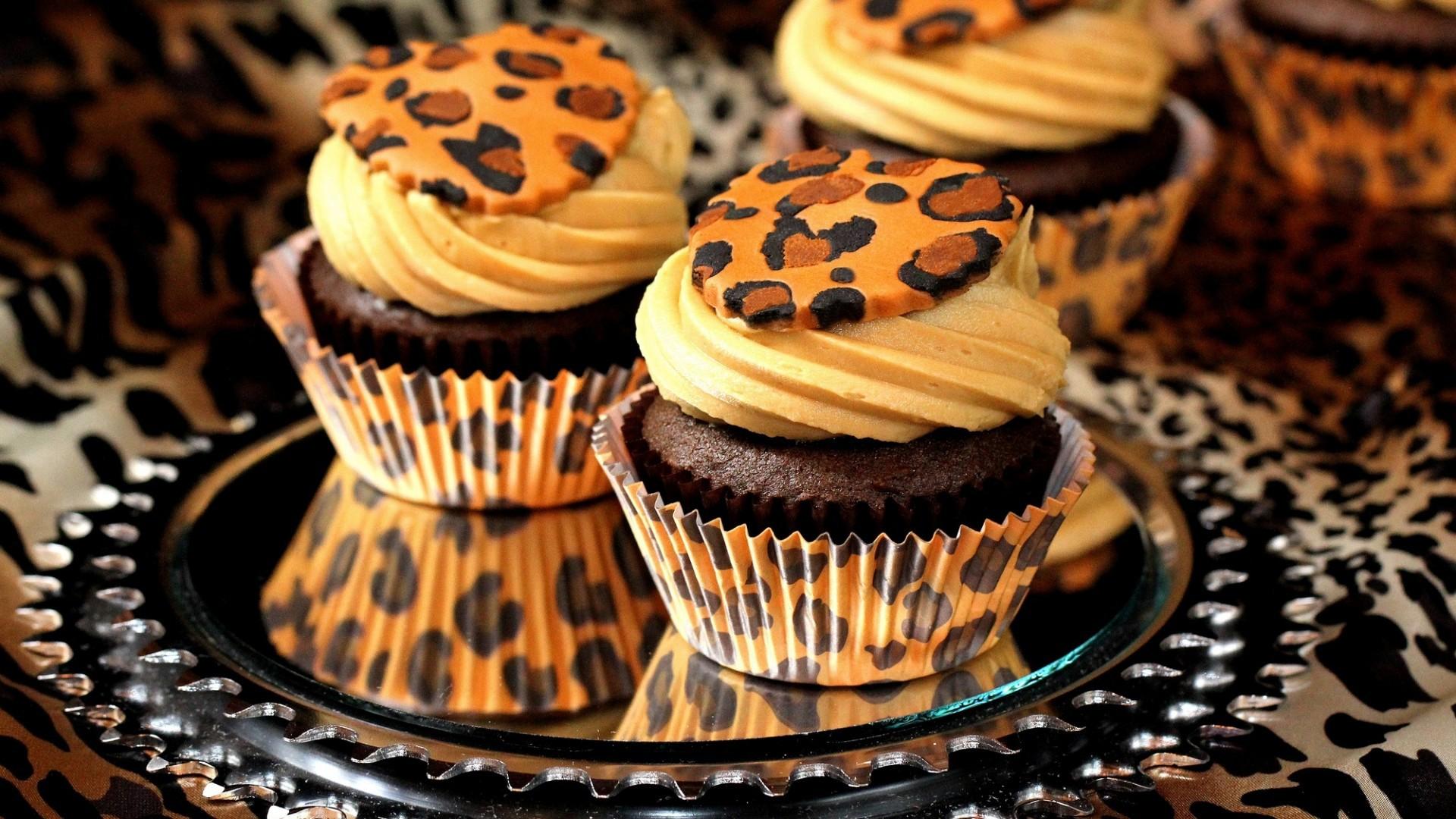 Cheetah Cake Rolls