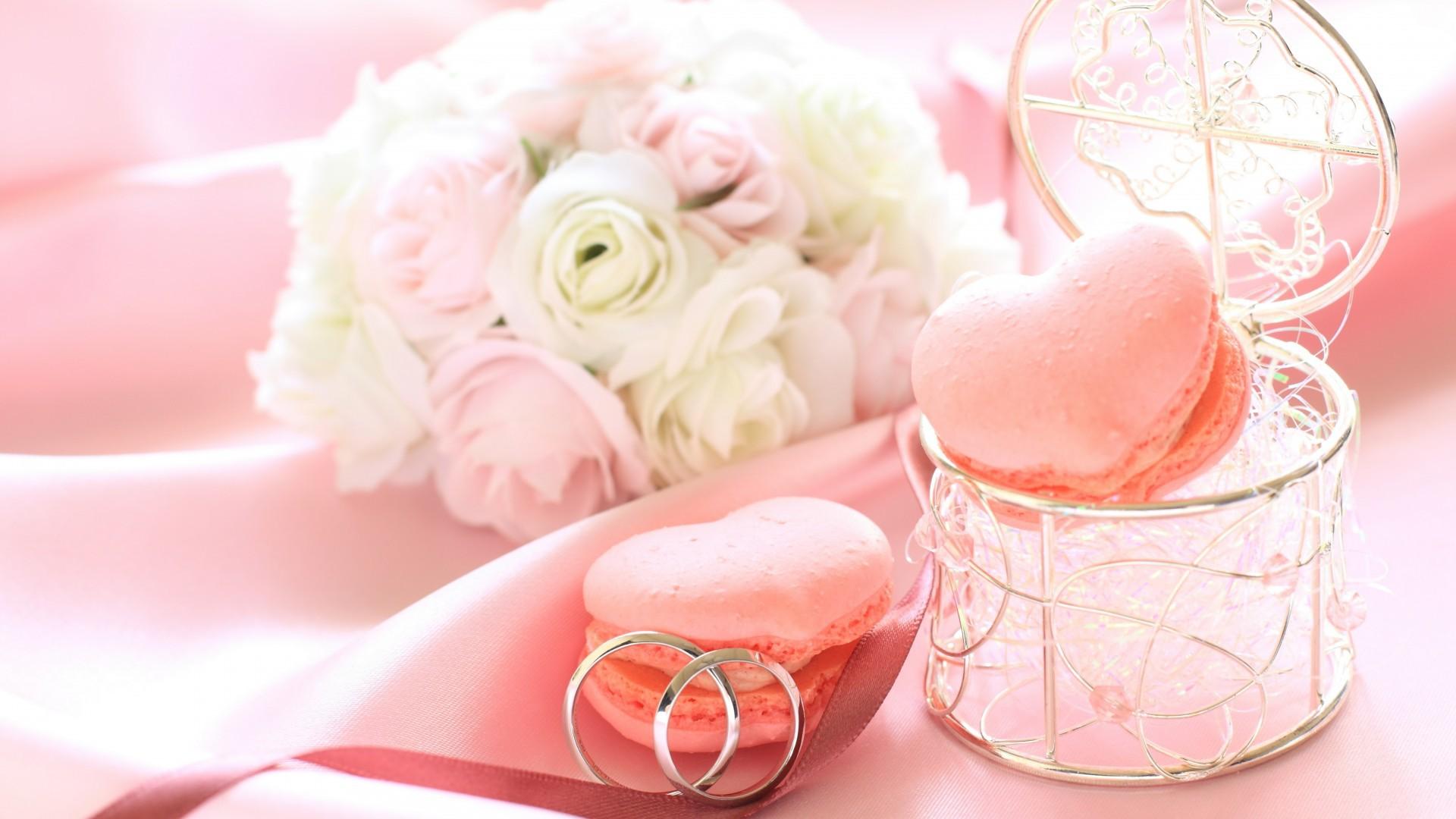 Download wallpaper 1366x768 pie, sweet, wedding, ornament, circles.