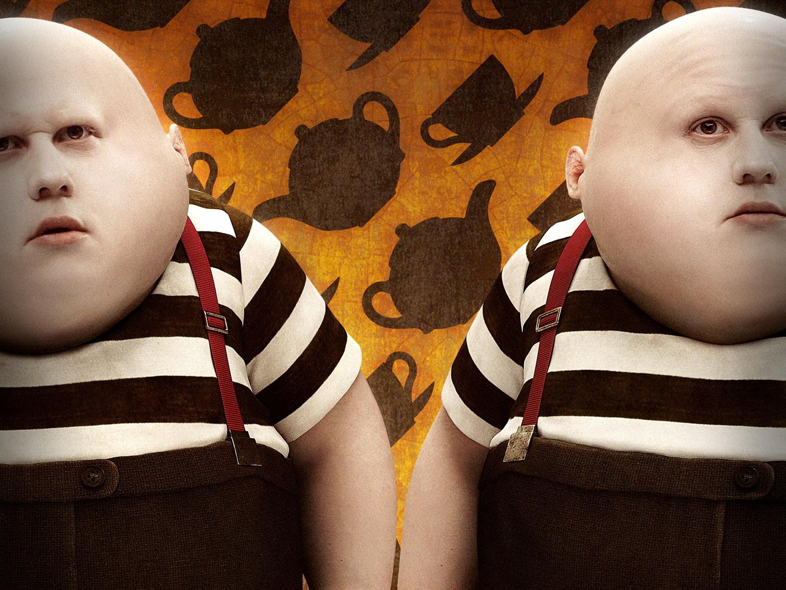 Средней, прикол картинка близнецы