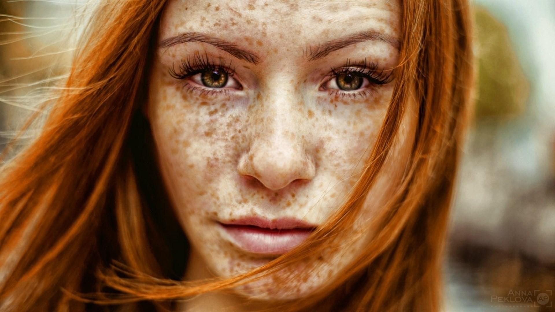 Фото лицо мужчины и волосы девушки