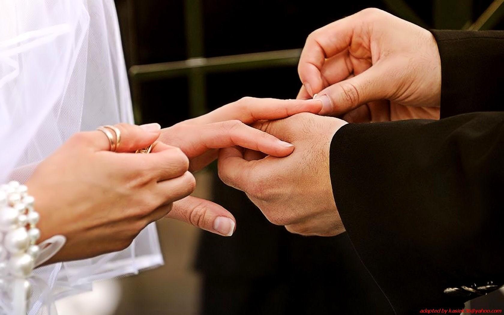 Картинки как жених одевает кольцо невесте