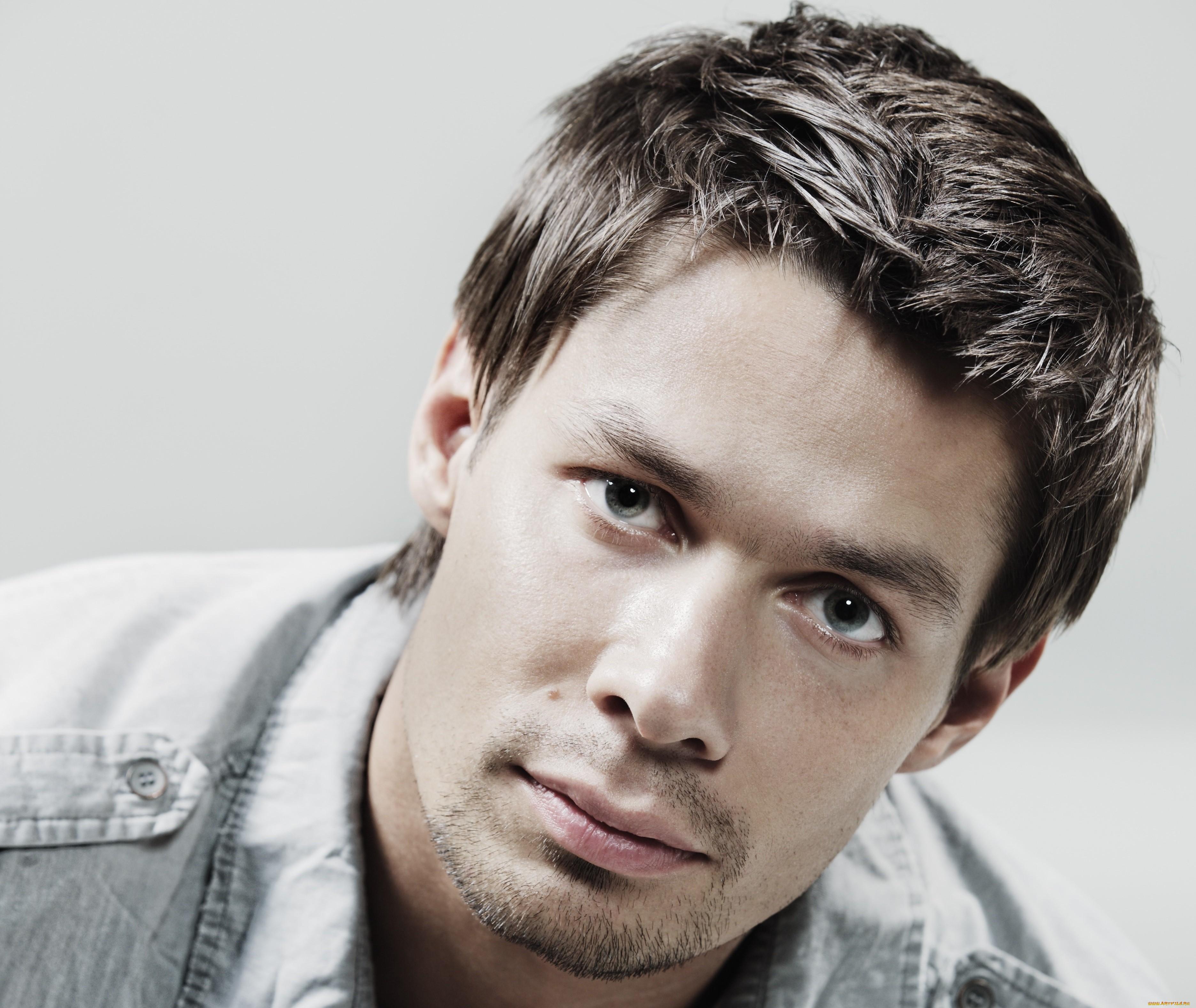 Засунуть голову фото поп русских артистов