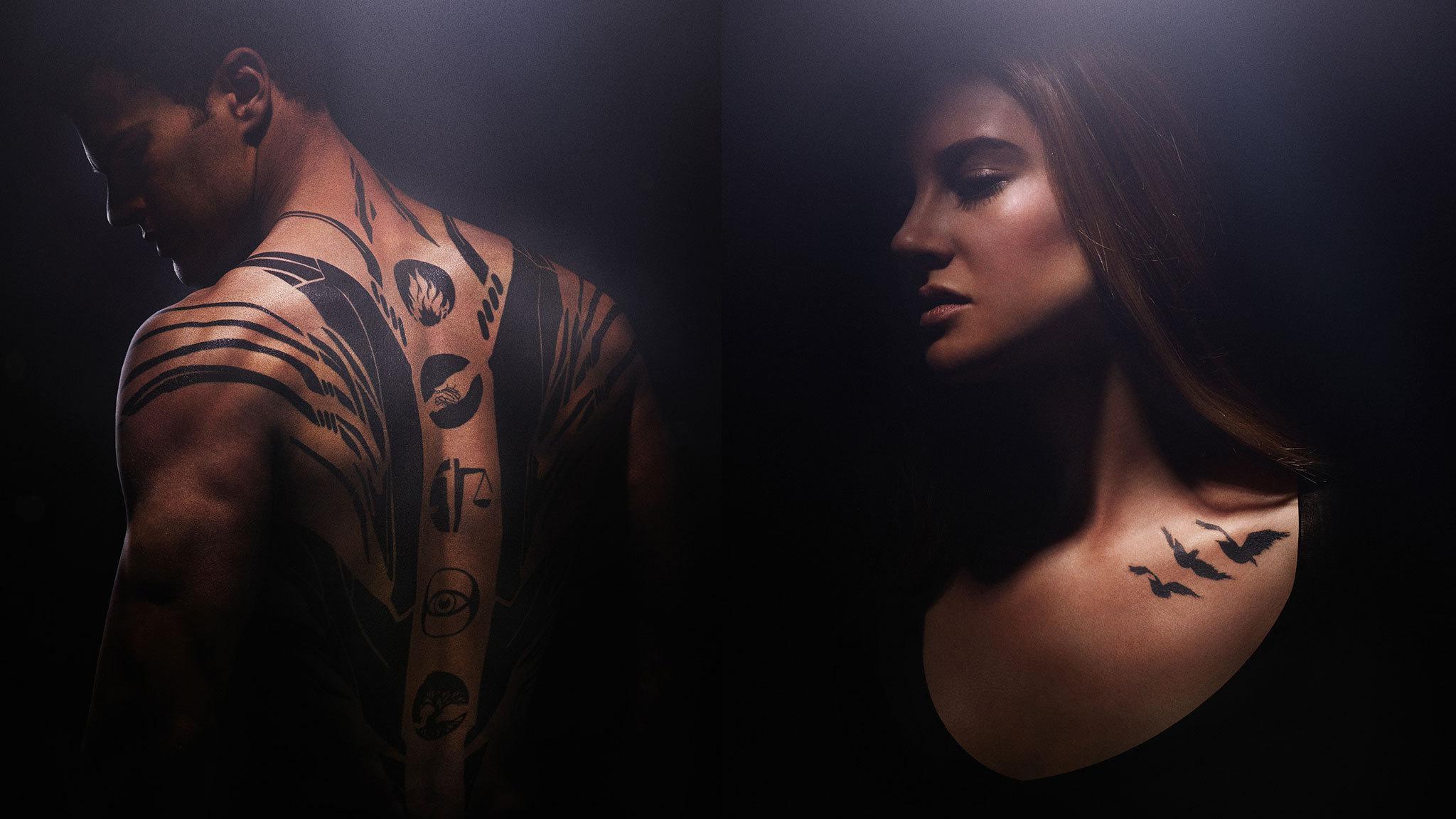 Тео джеймс фото татуировки