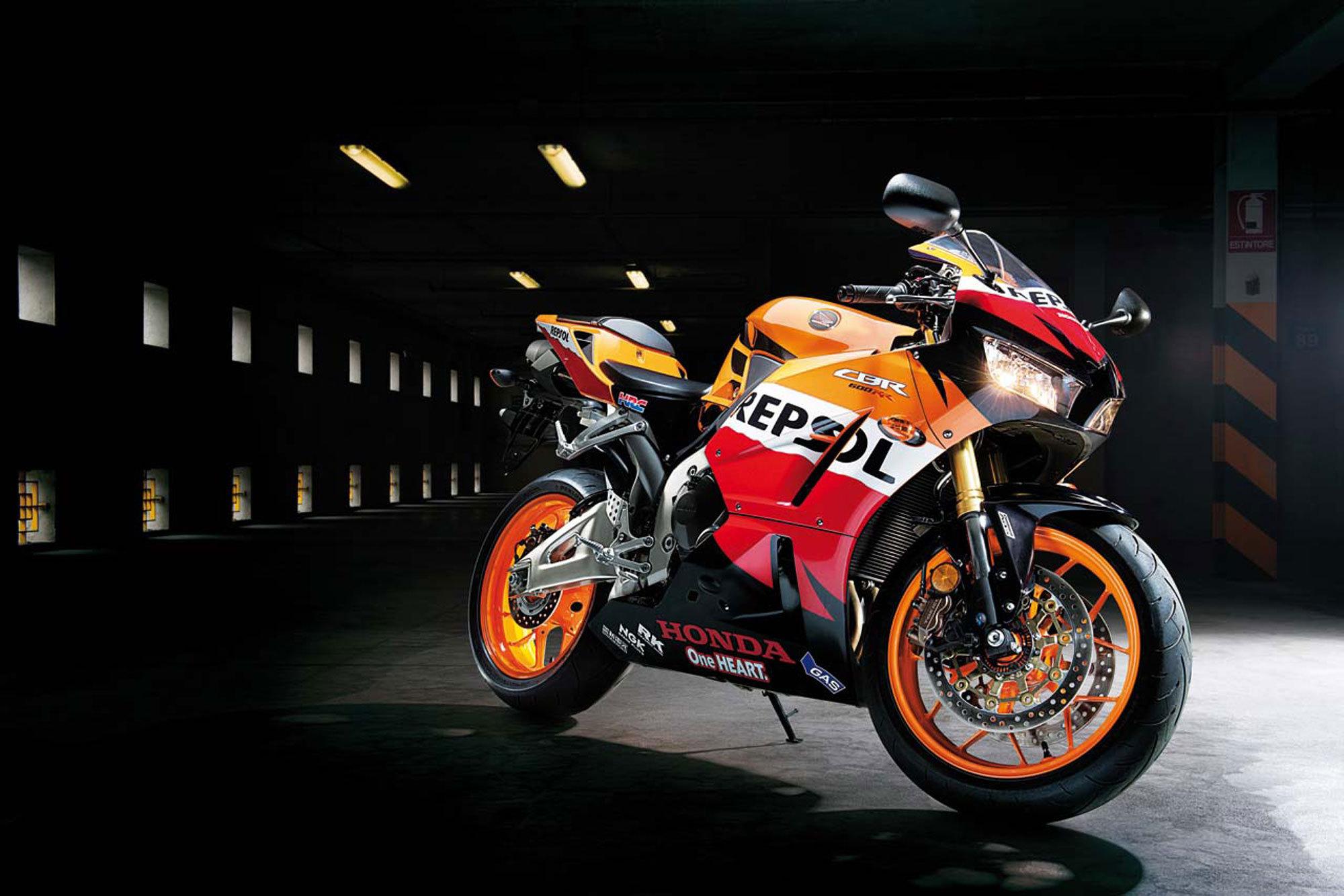 Beautiful Bike Honda Cbr 600 Rr Wallpapers And Images Wallpapers