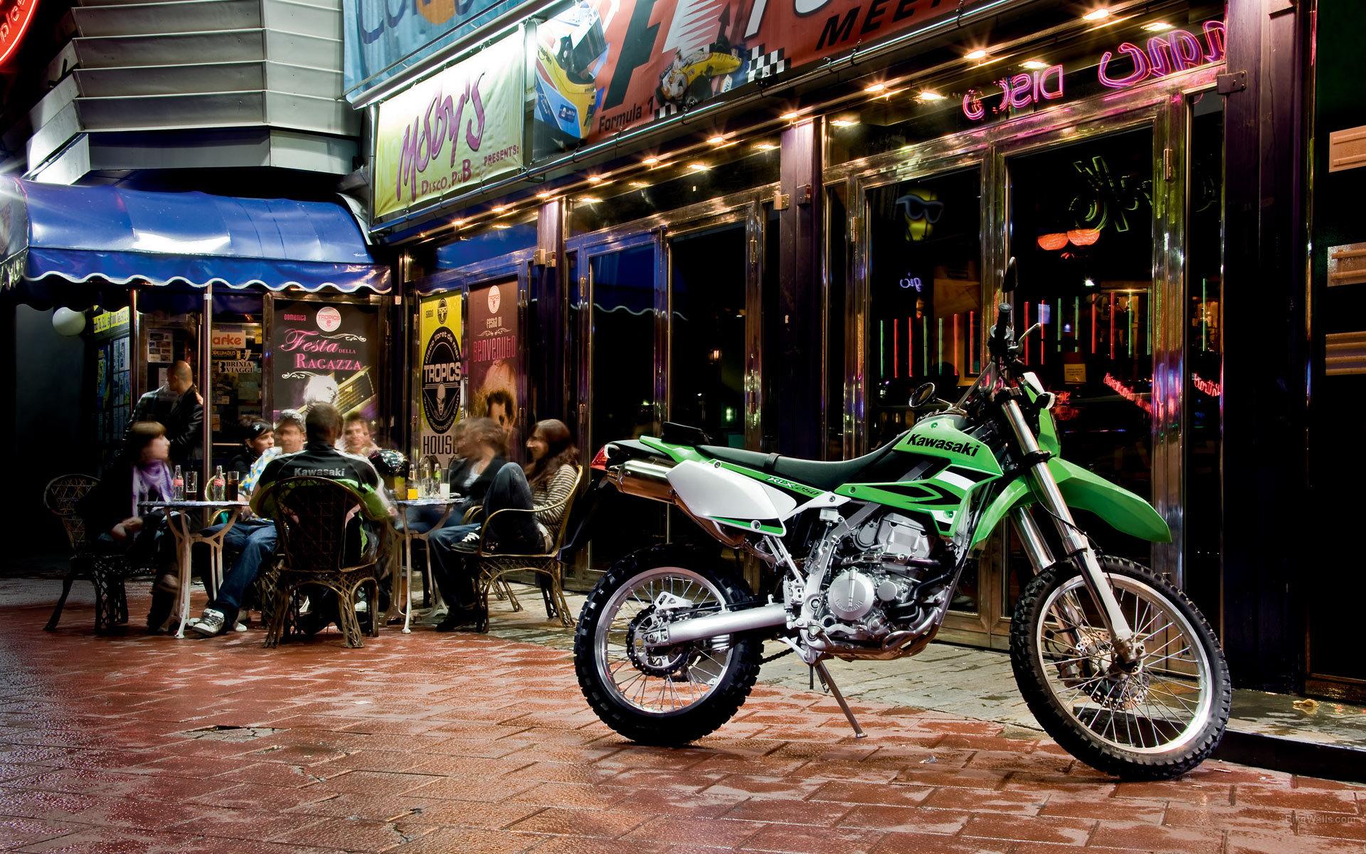 New Reliable Motorcycle Kawasaki KLX 250 Wallpapers And
