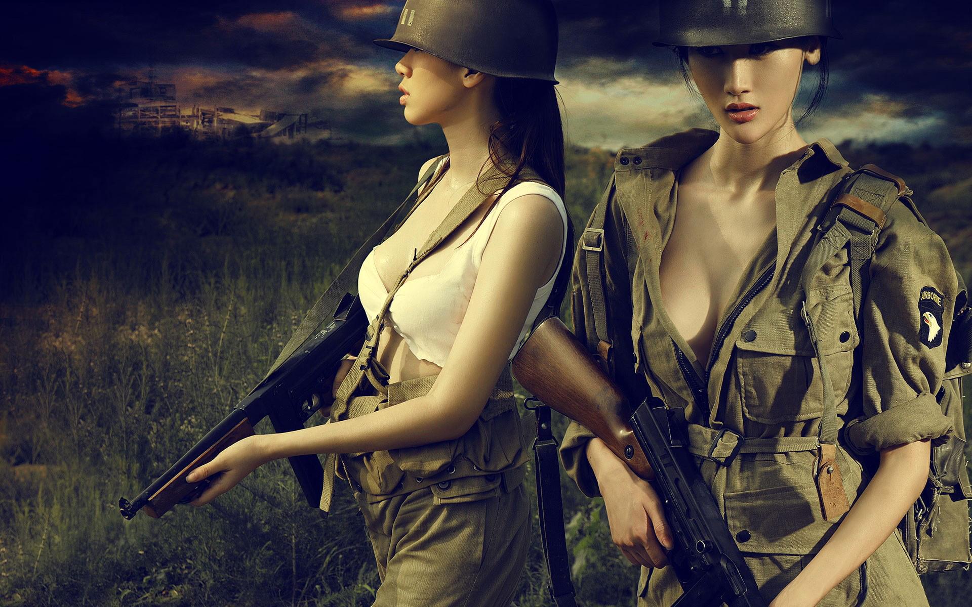 азиатки в военной форме