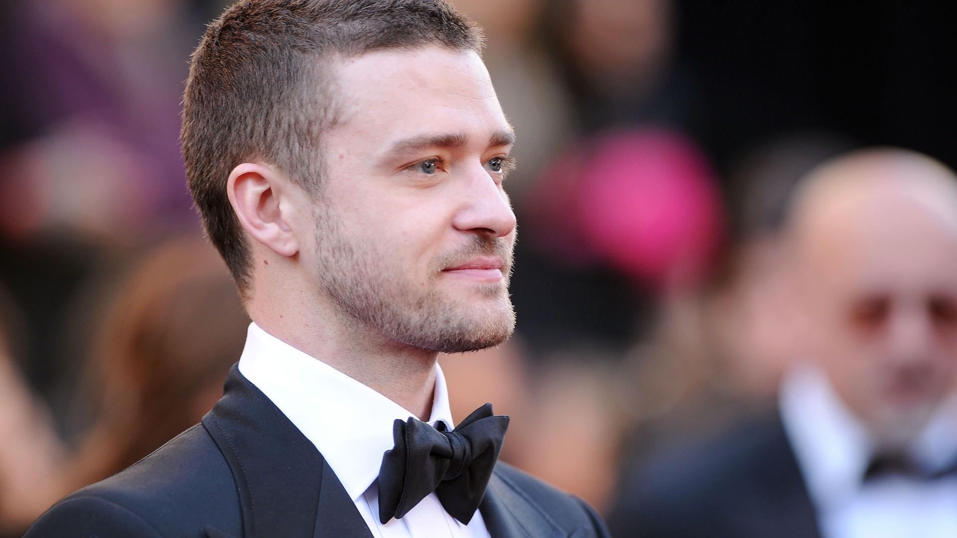 Im September 2006 veröffentlichte Justin Timberlake sein zweites Soloalbum FutureSexLoveSounds Die von Timbaland und william produzierte Platte stieg sowohl in