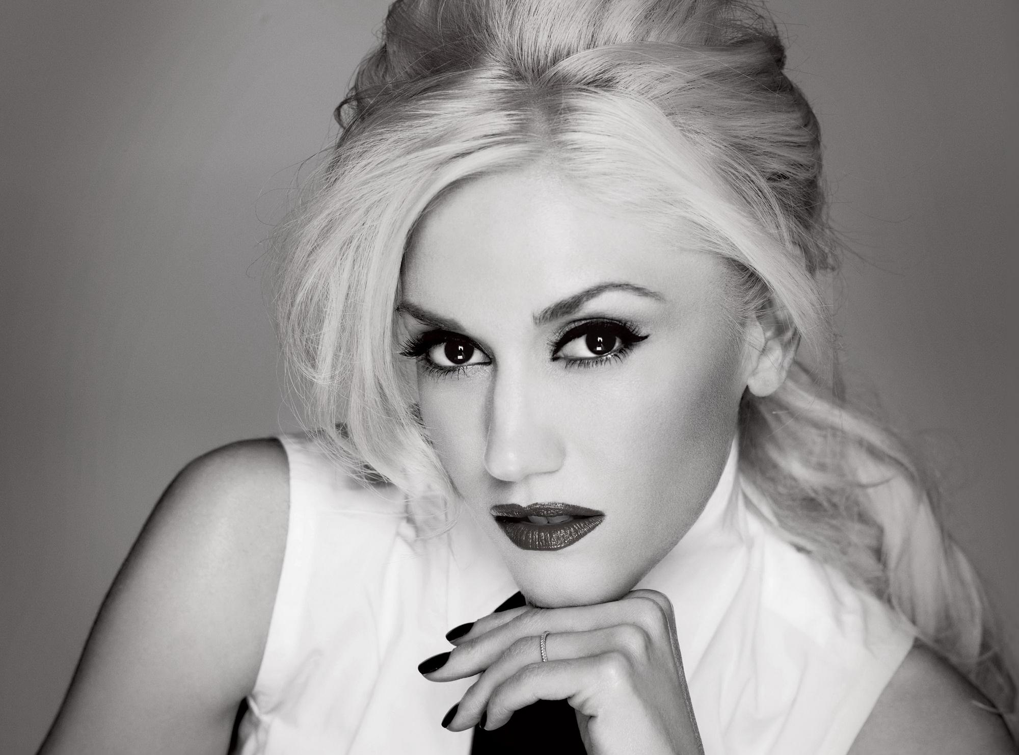 принял предложение картинки блондинки в черно белом цвете бичами кровь хлестала