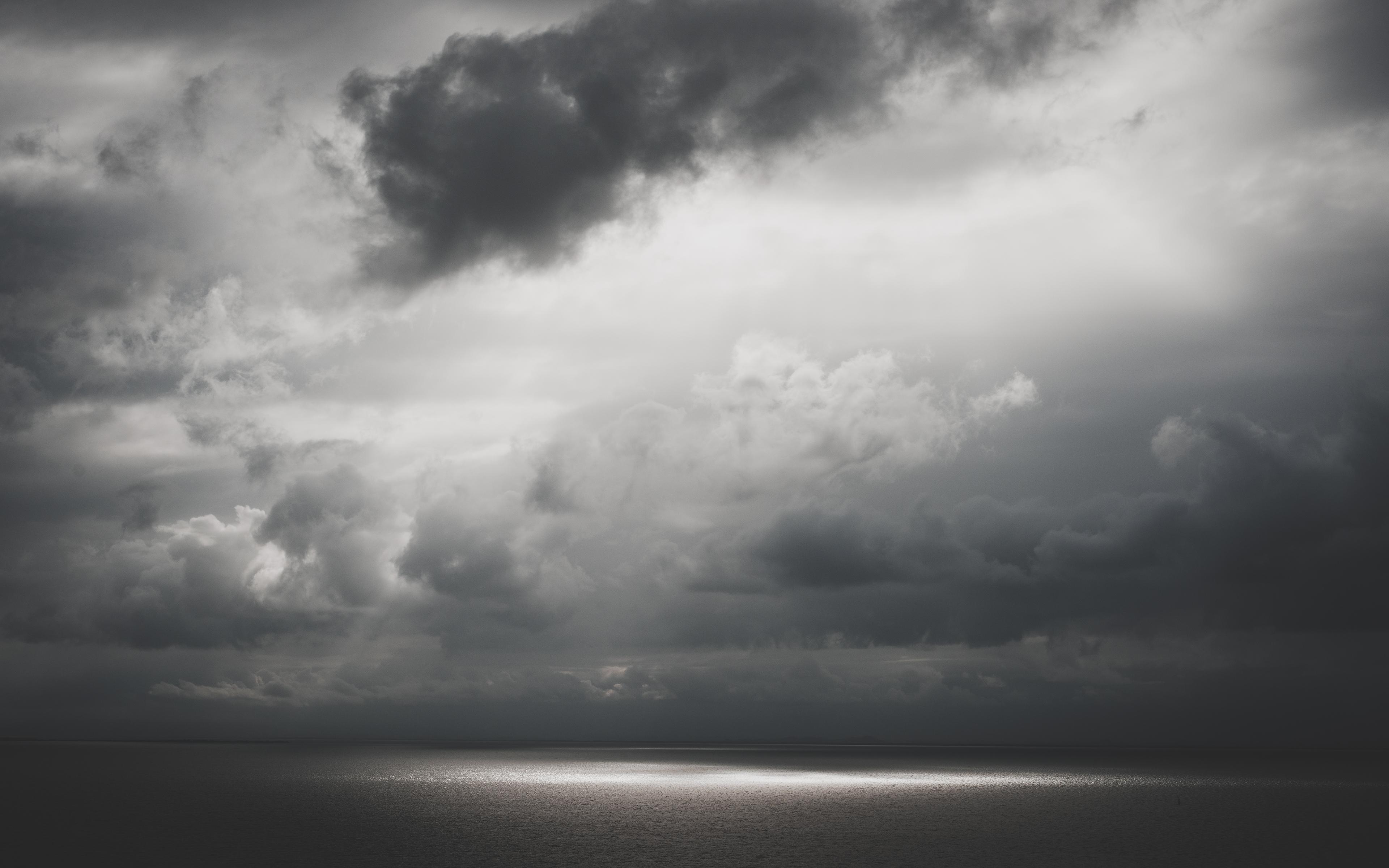 грустное небо фото начале года девушка