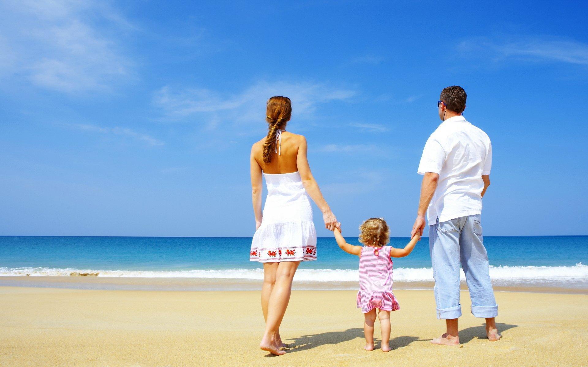 Семьями на пляже 7 фотография