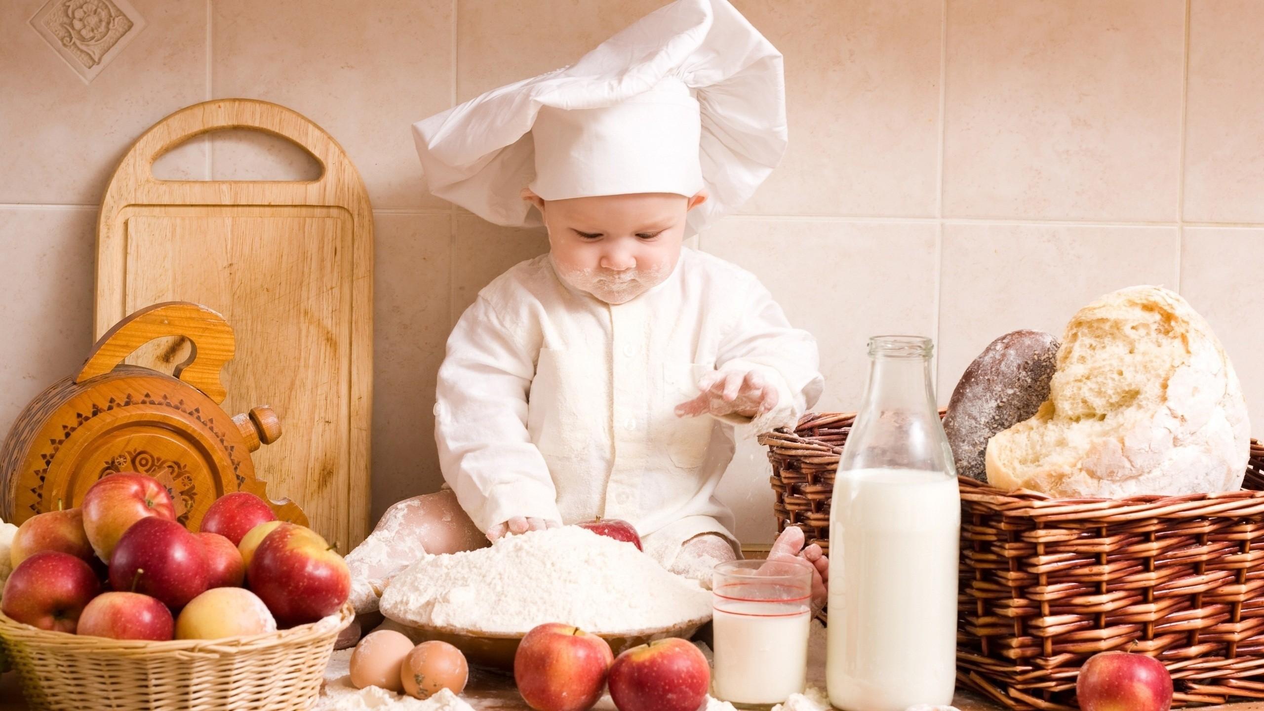a small child chef - Pics Of Small Children