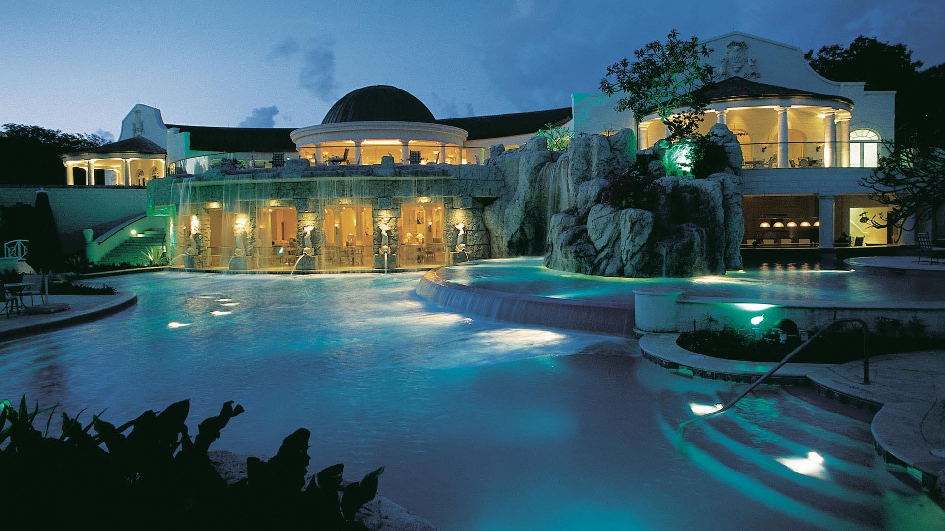 таким нательным картинки на рабочий стол красивейшие курорты мира меняют цвет
