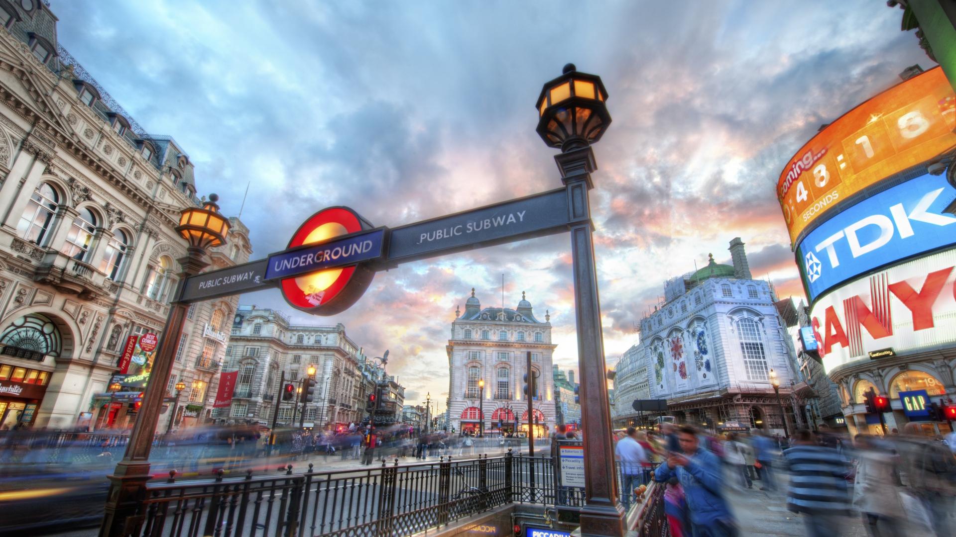 Beautiful Wallpaper Macbook London - World___England_Street_in_London_058578_  Image_18912.jpg