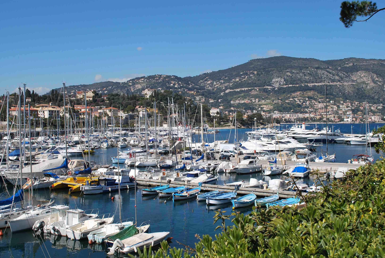 Yachts in the port at the resort of saint jean cap ferrat france wallpapers and images - Port saint jean cap ferrat ...