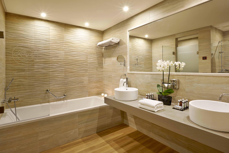 светлая ванная комната фото