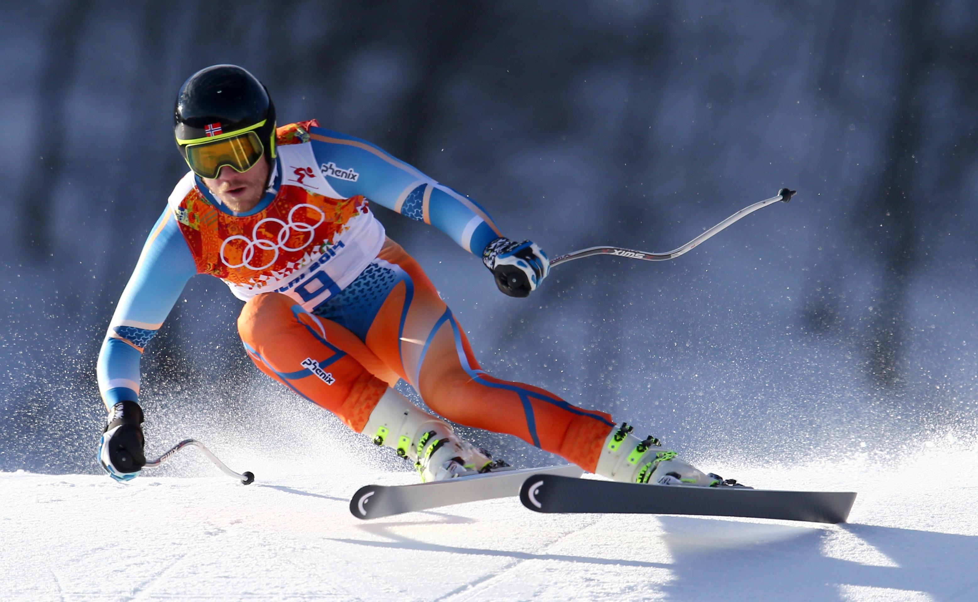 Днем, лыжник в картинках