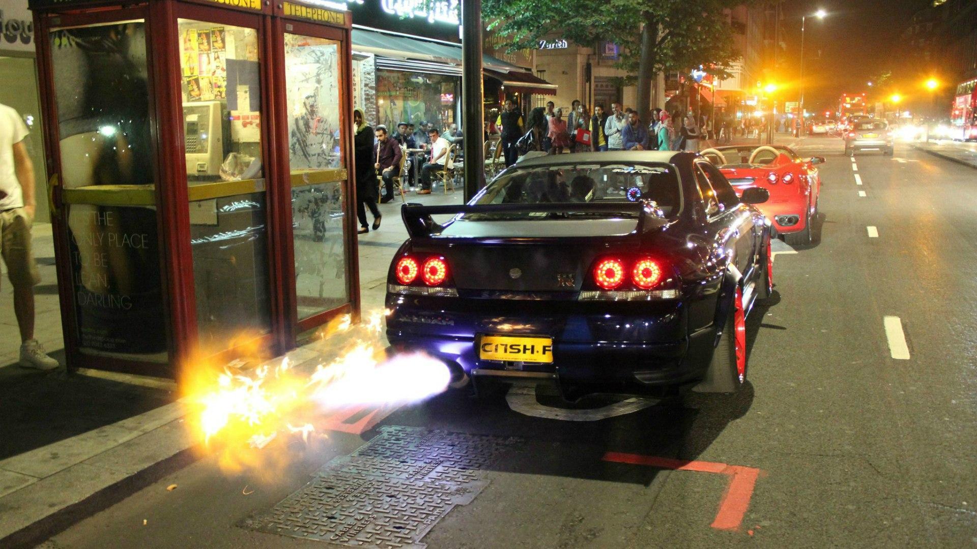 Superieur Fire Exhaust Nissan Skyline GT R