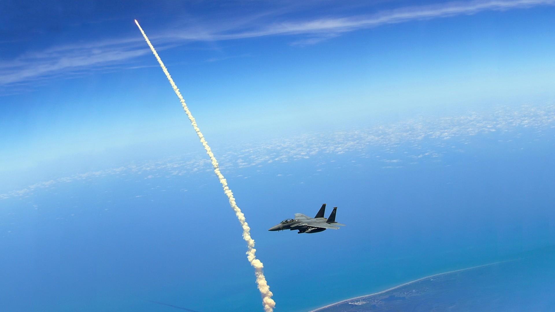Самолет ракета картинки