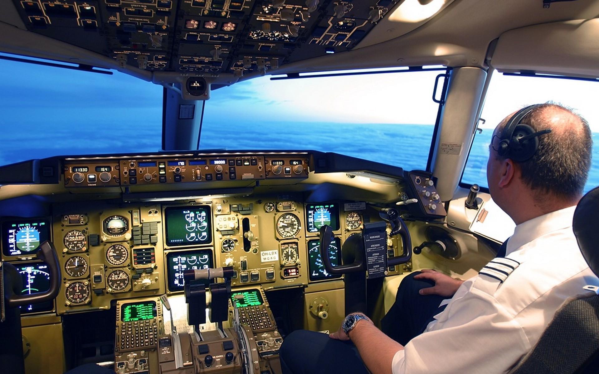 картинка кабина самолета без пилота долбаеб недаебаный
