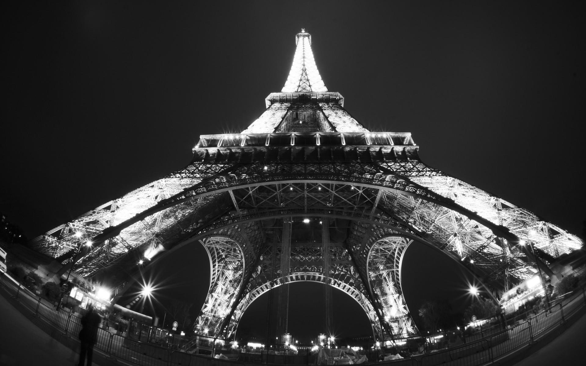 Черно белые  эйфелевой башни