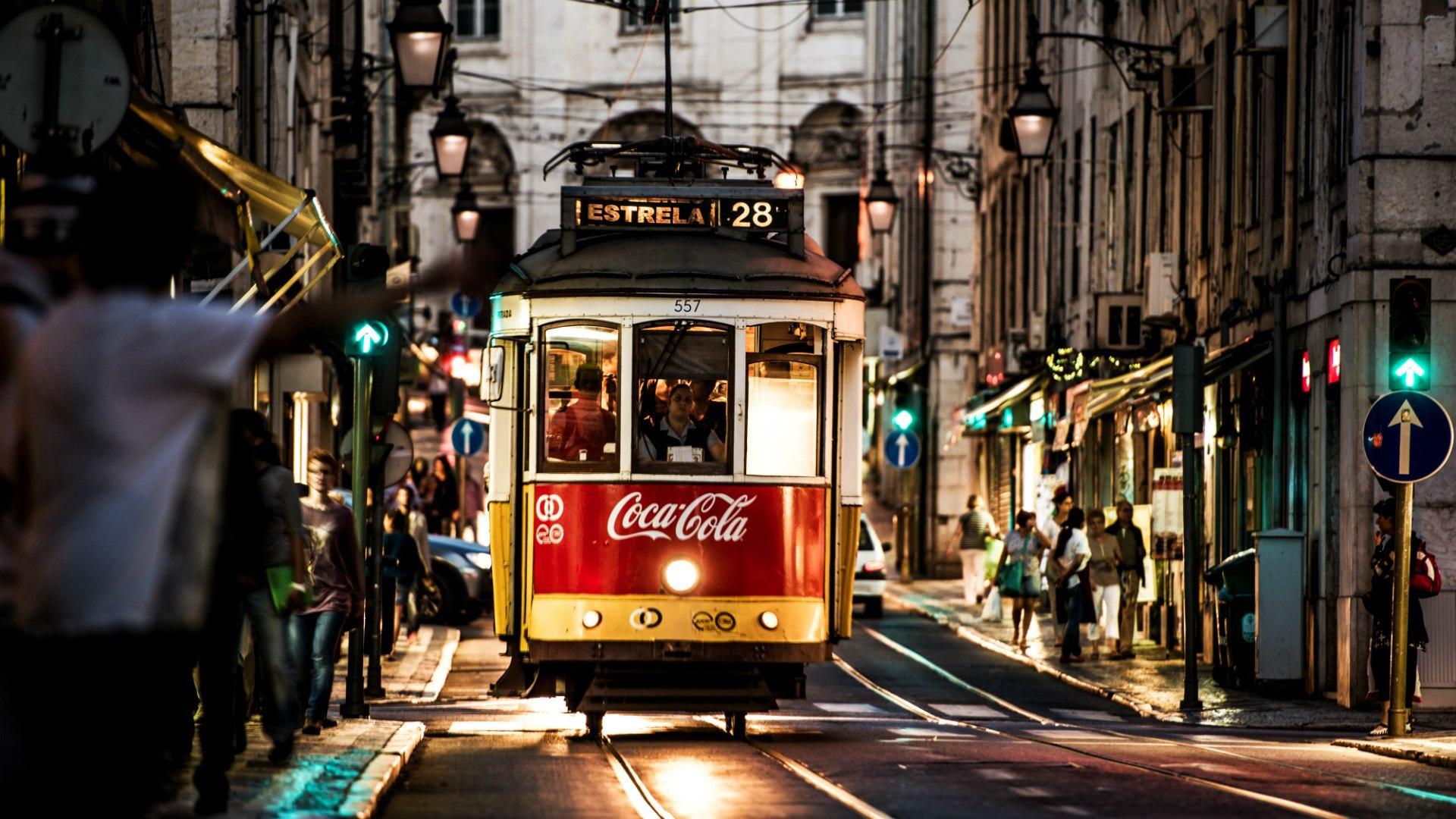 Обои lisbon, трамвай, ночь. Города foto 12