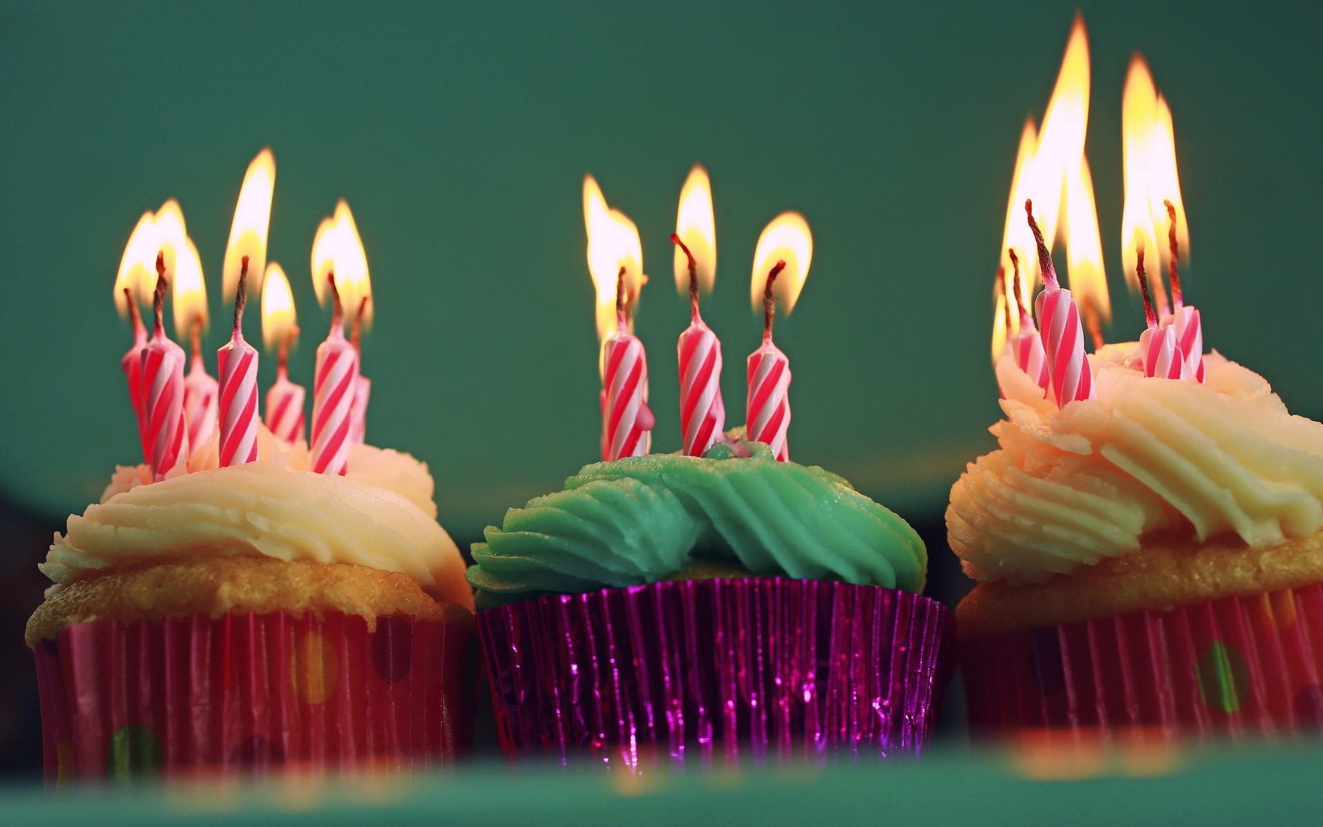 Открытка торт и свечи, для