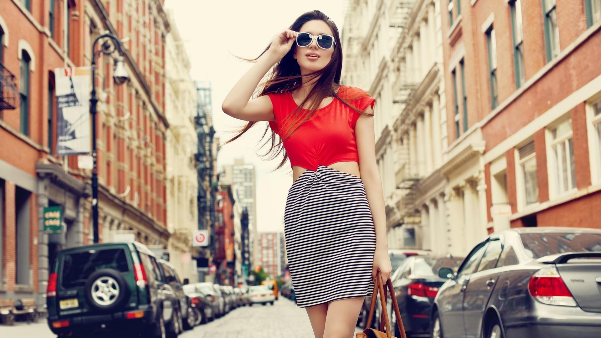 фото моделей женщин на улицах города впечатление