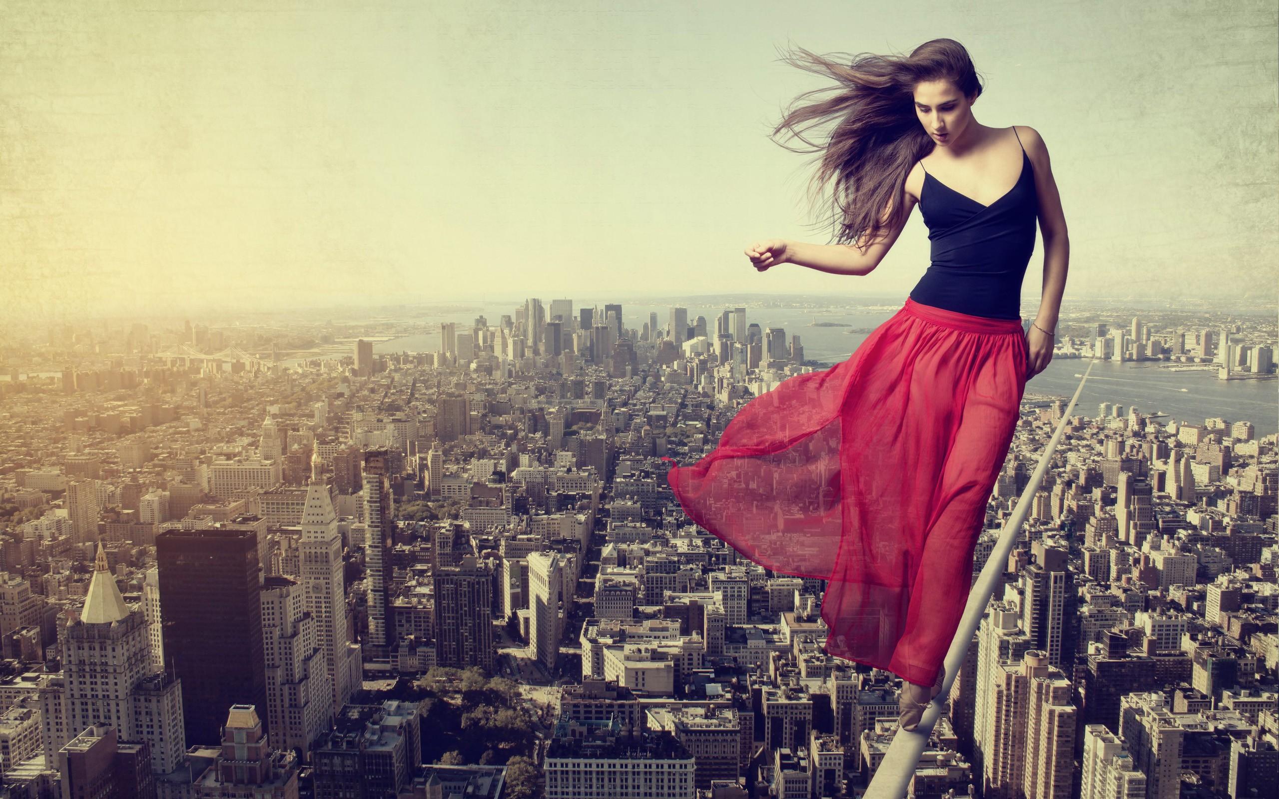 Картинки девушка по городу