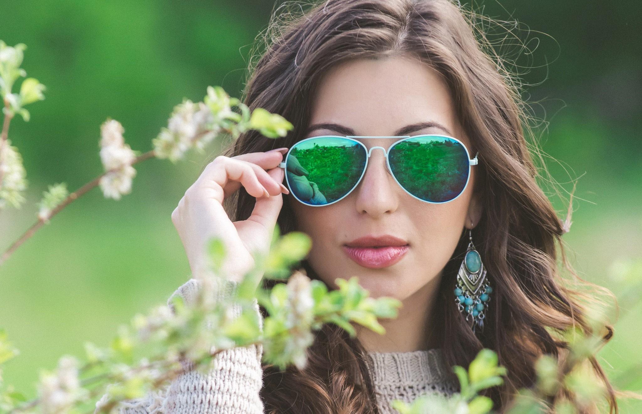 Картинки девушек в очках от солнца