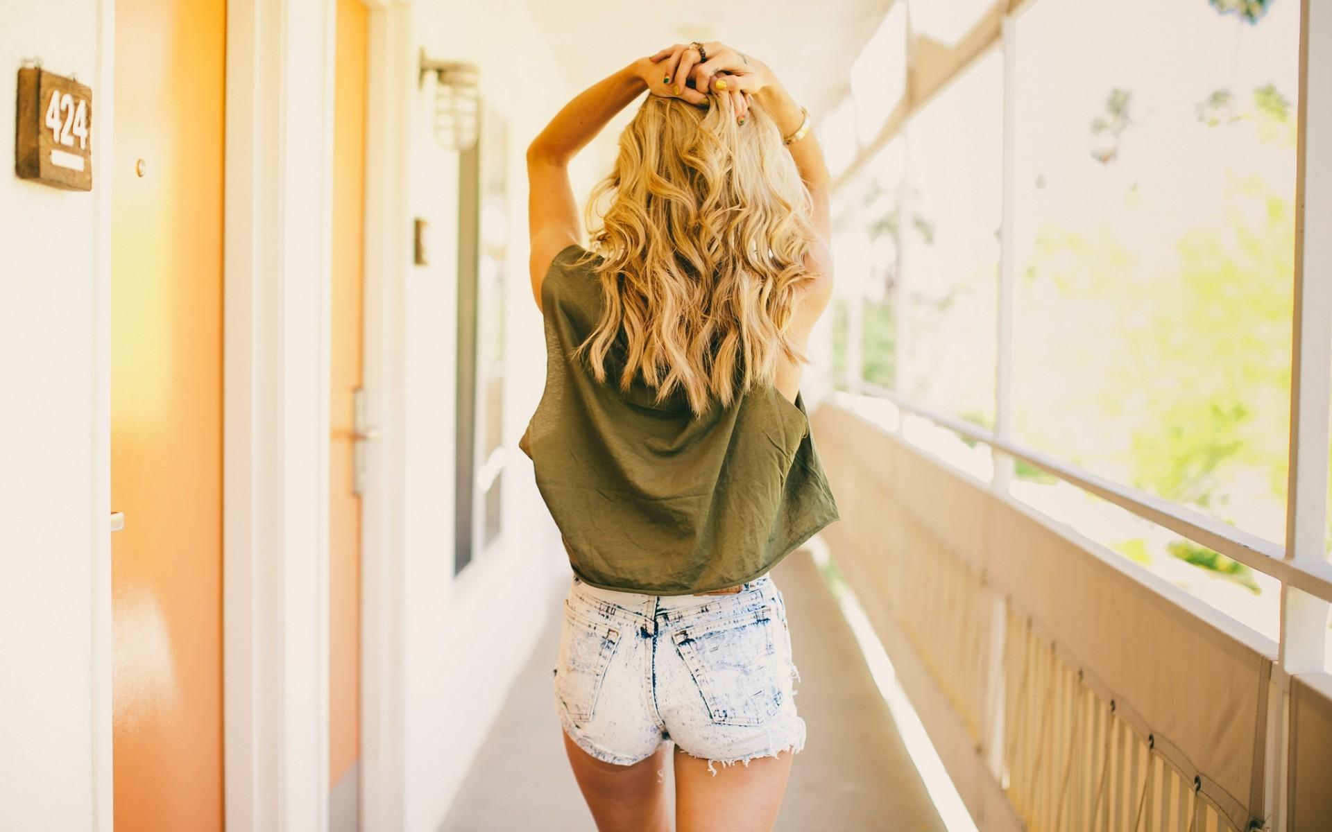 Картинки девушки блондинки без лица, прикольные июня