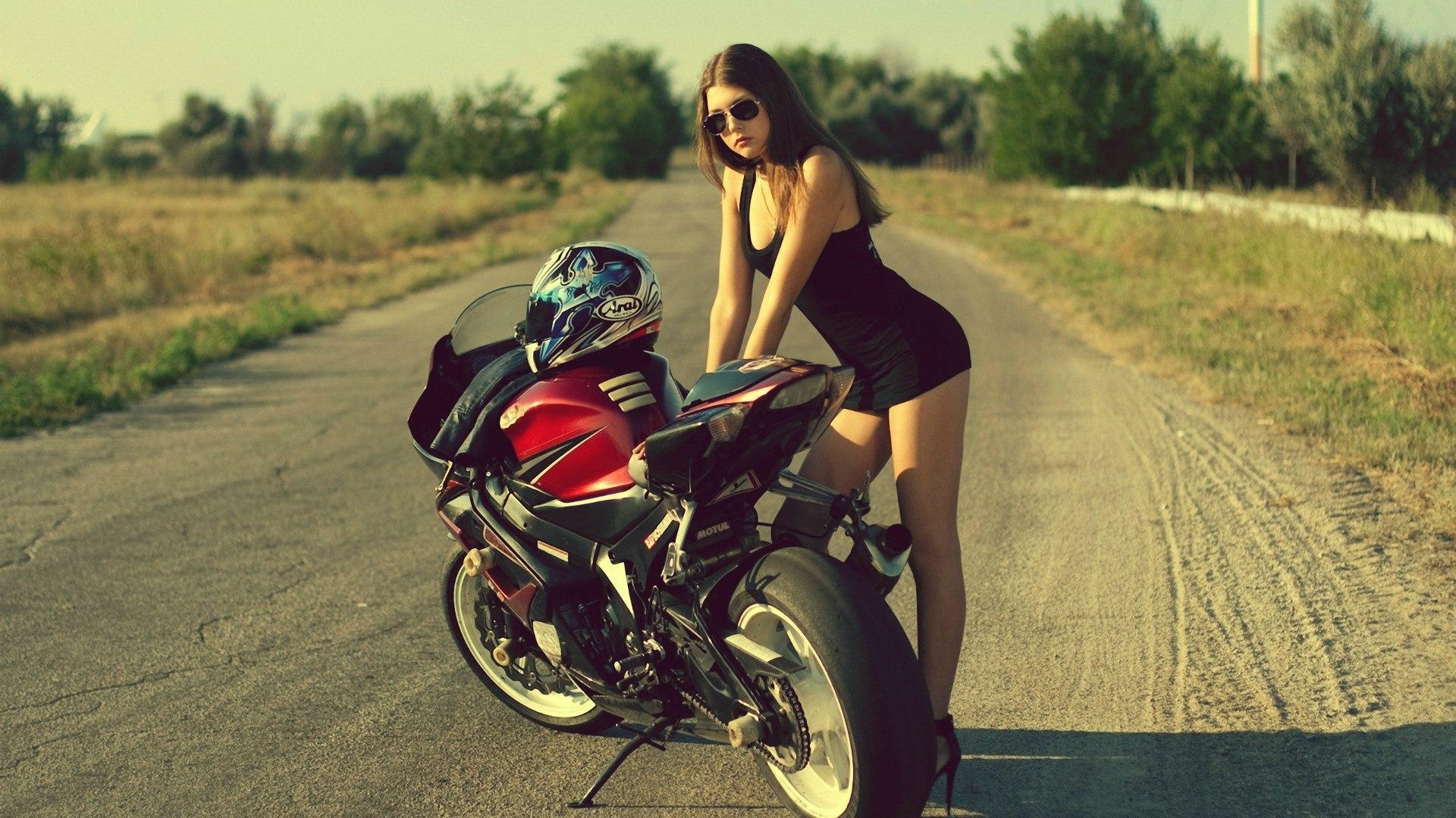 мотоцикл и девушка фото