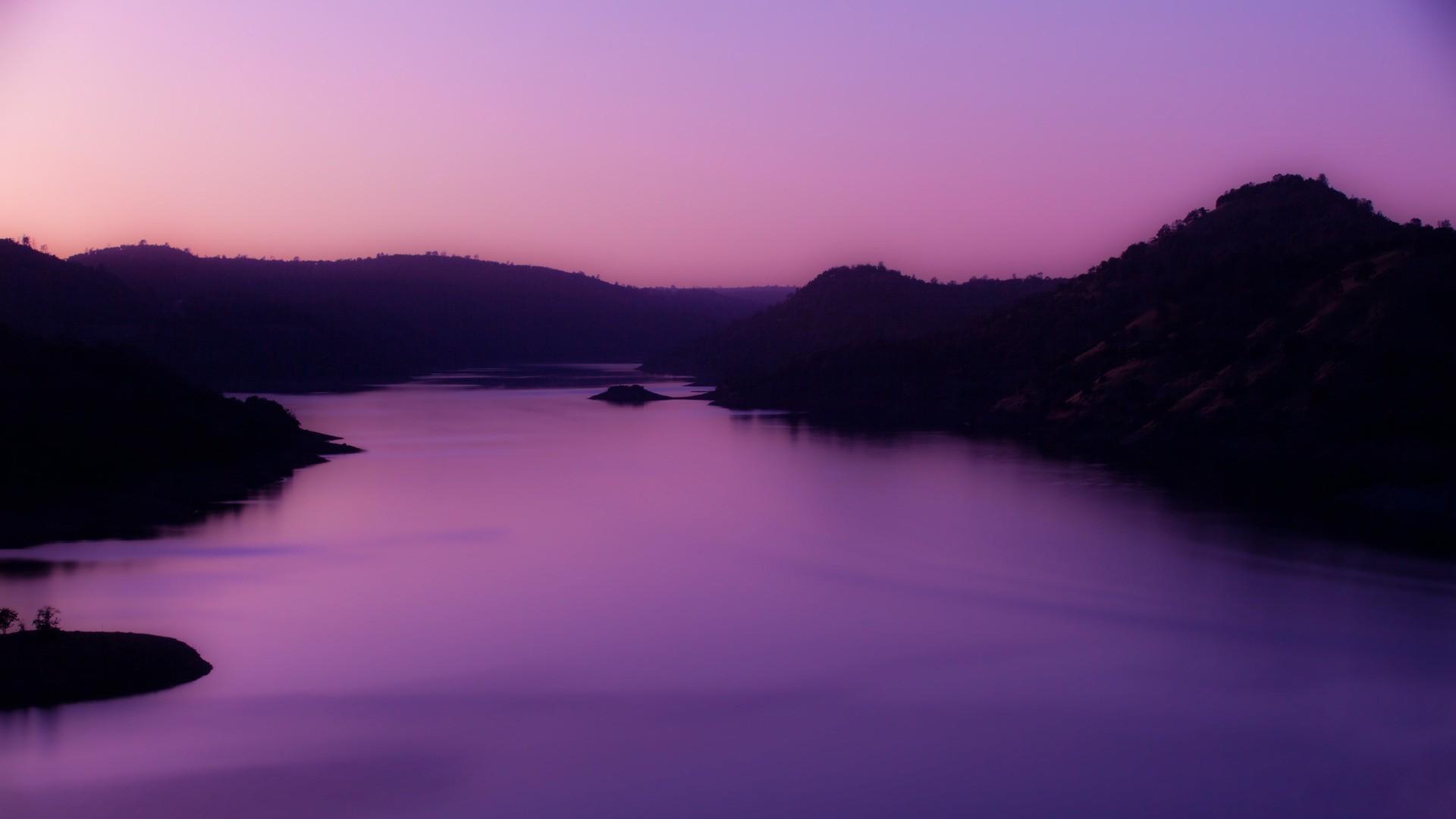 Фиолетовая картинка на рабочий стол