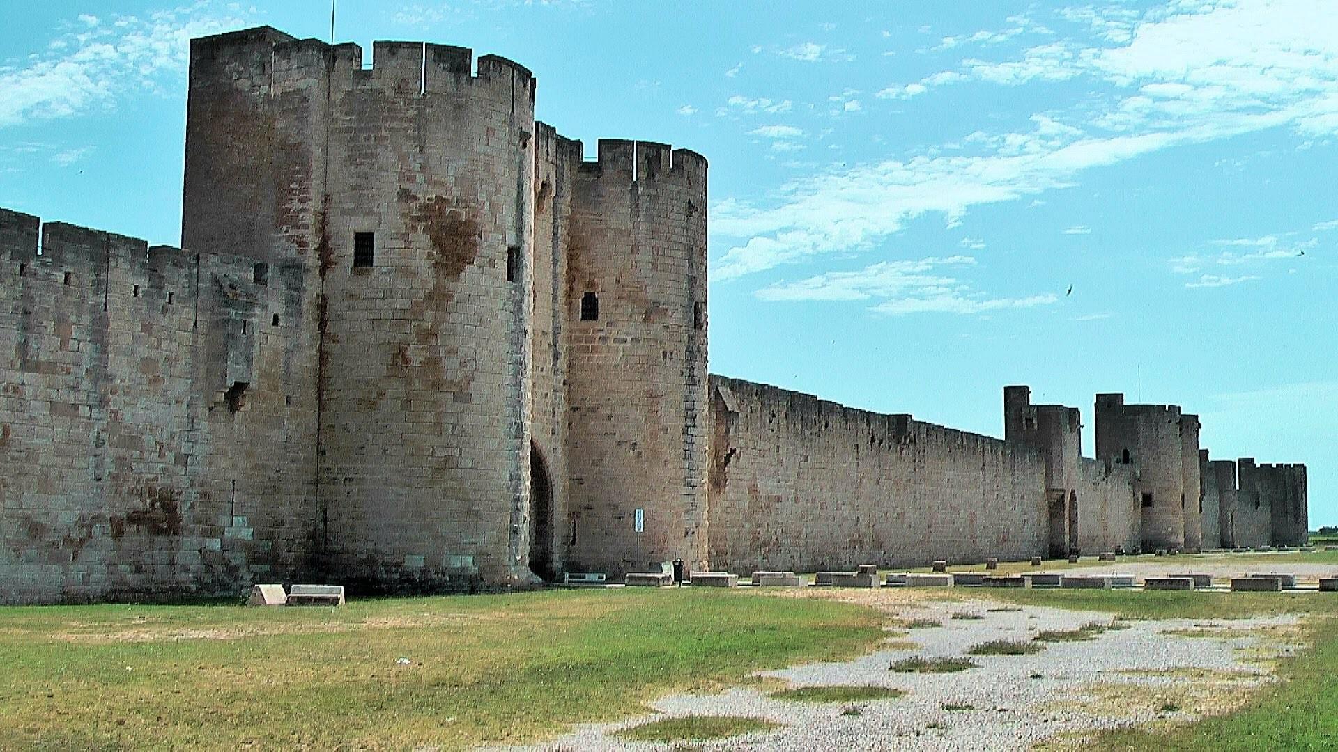 крепость каменная картинки долго думали что