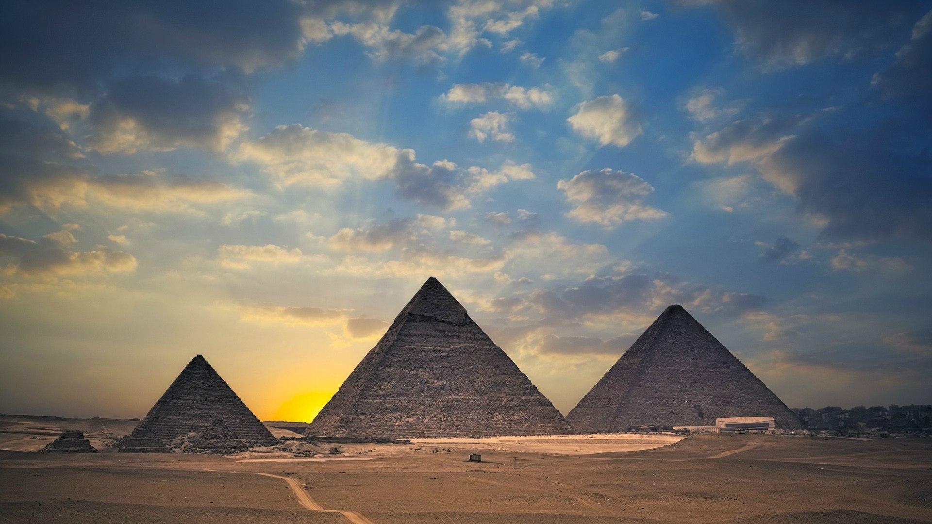 http://www.zastavki.com/pictures/originals/2015/World___Egypt_Pyramids_of_Giza__Egypt_096428_.jpg