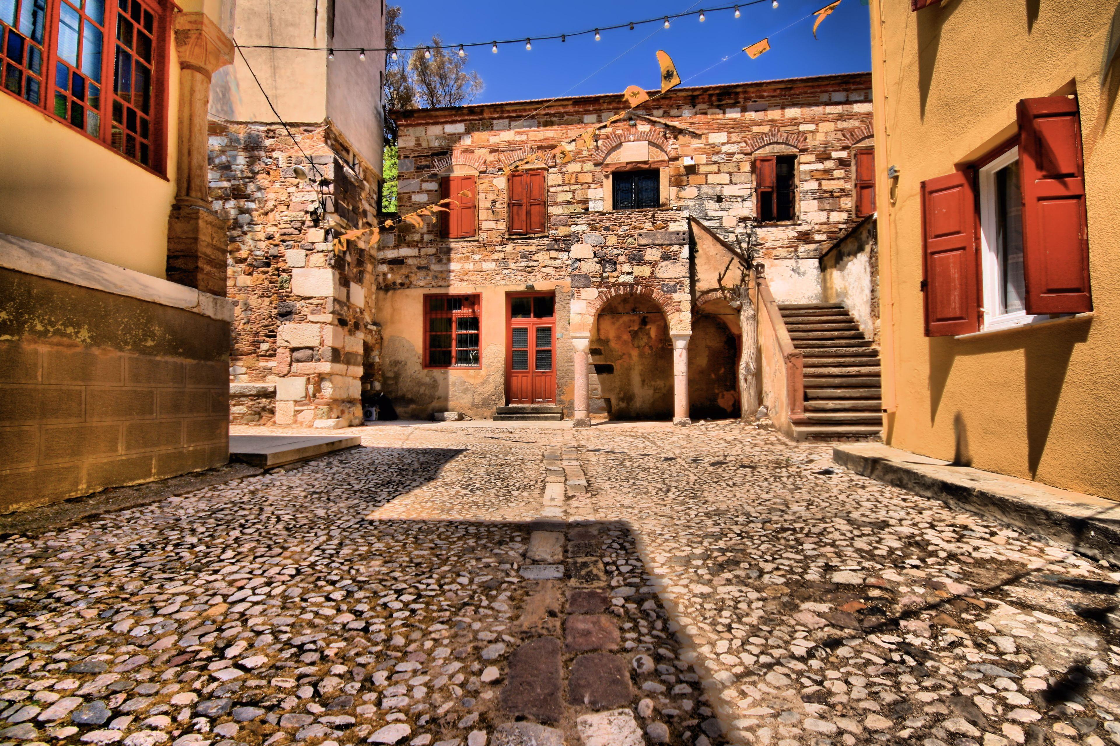 городские дворики картинки вейбул