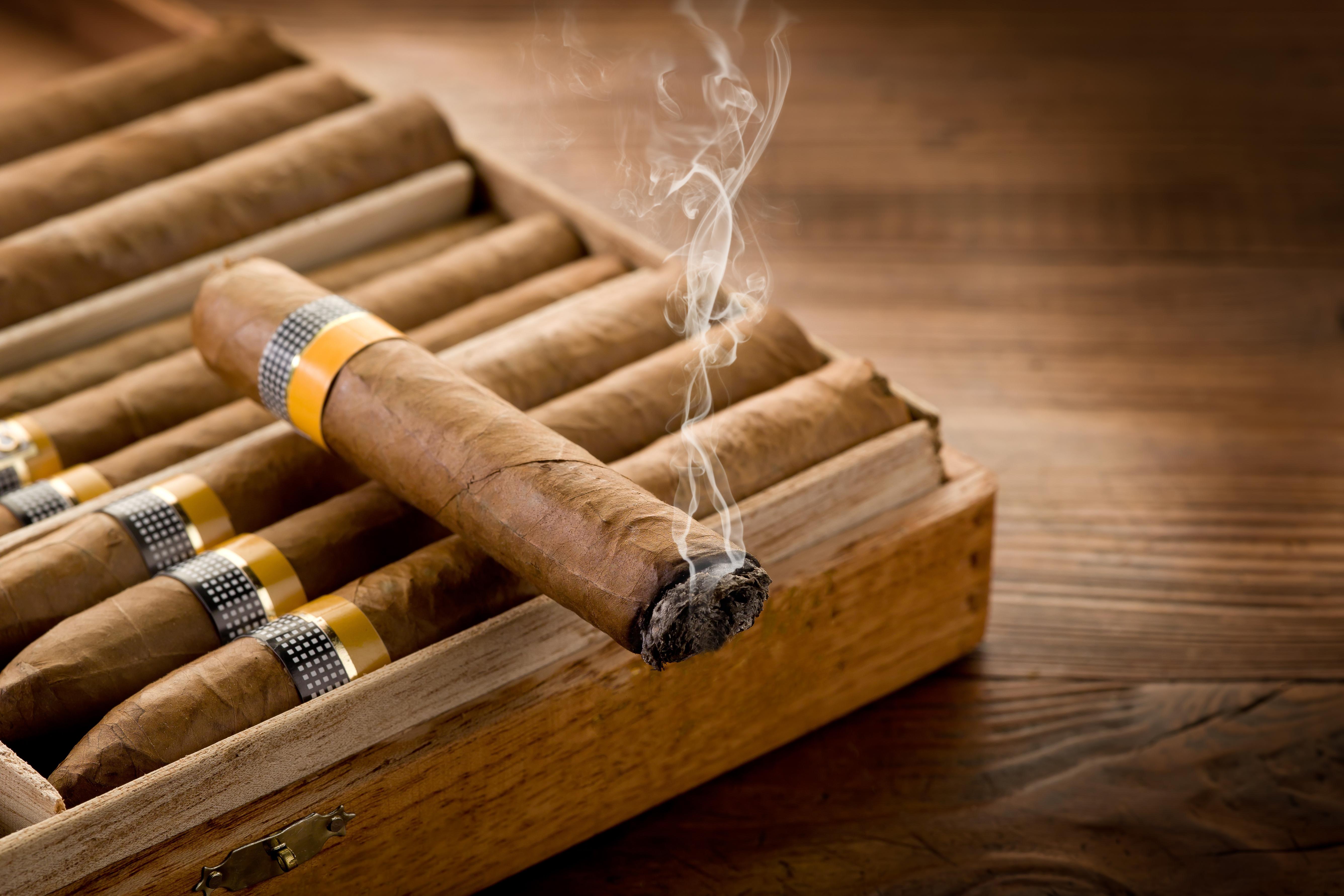 Для выжигания, открытка сигары