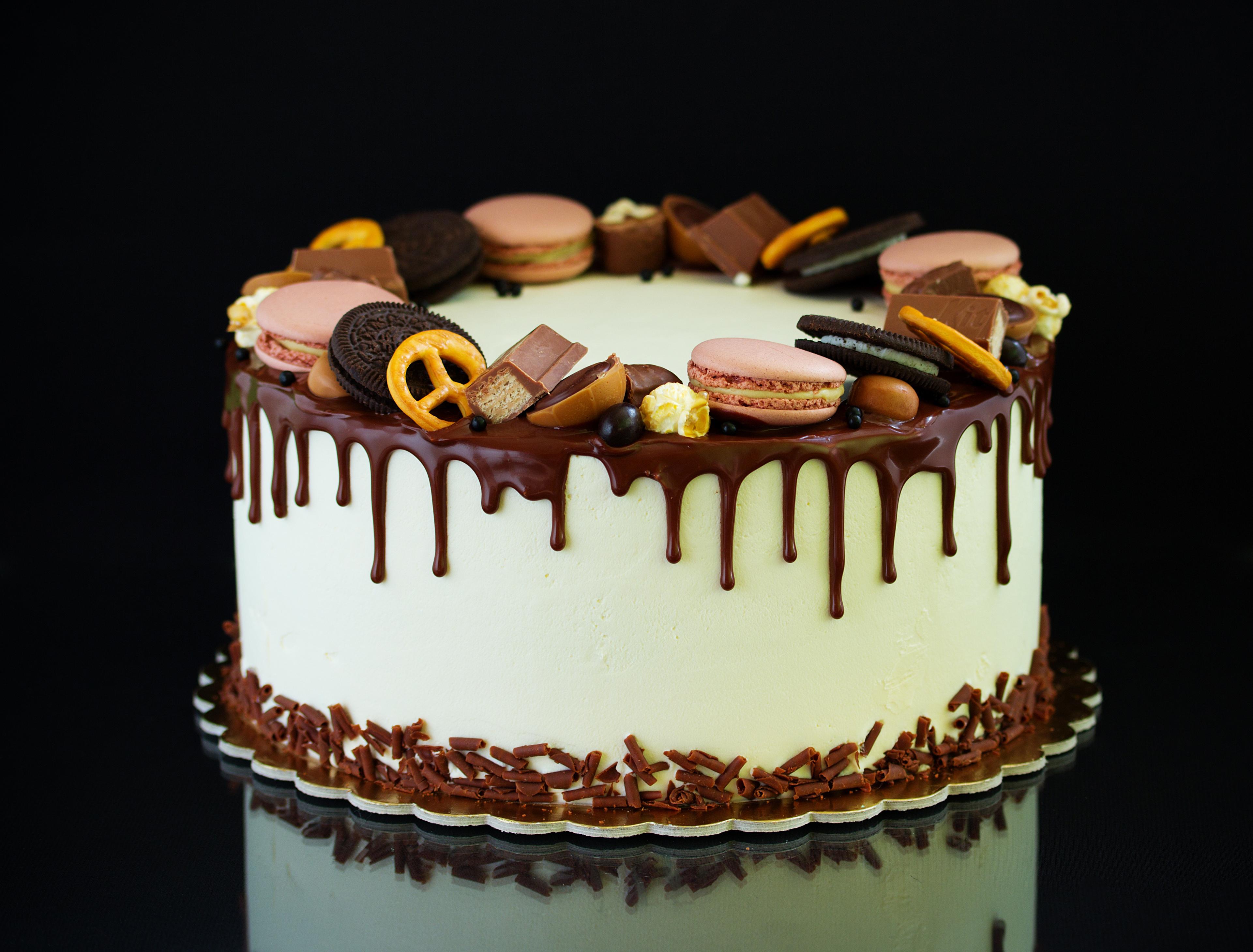 плитка как украсить торт конфетами и печеньем фото аномально