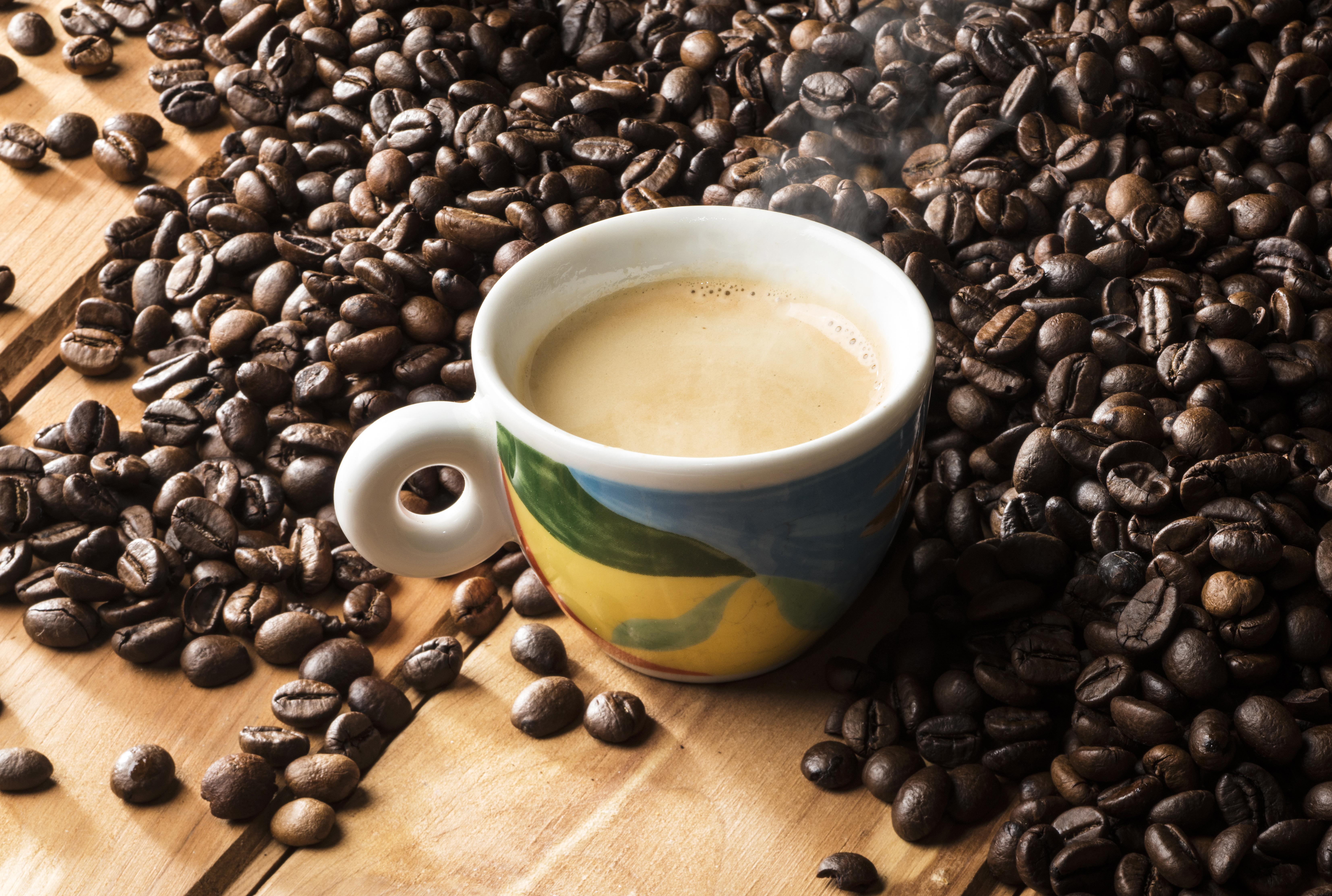 фотографии с кофе большого размера сравнению обычной