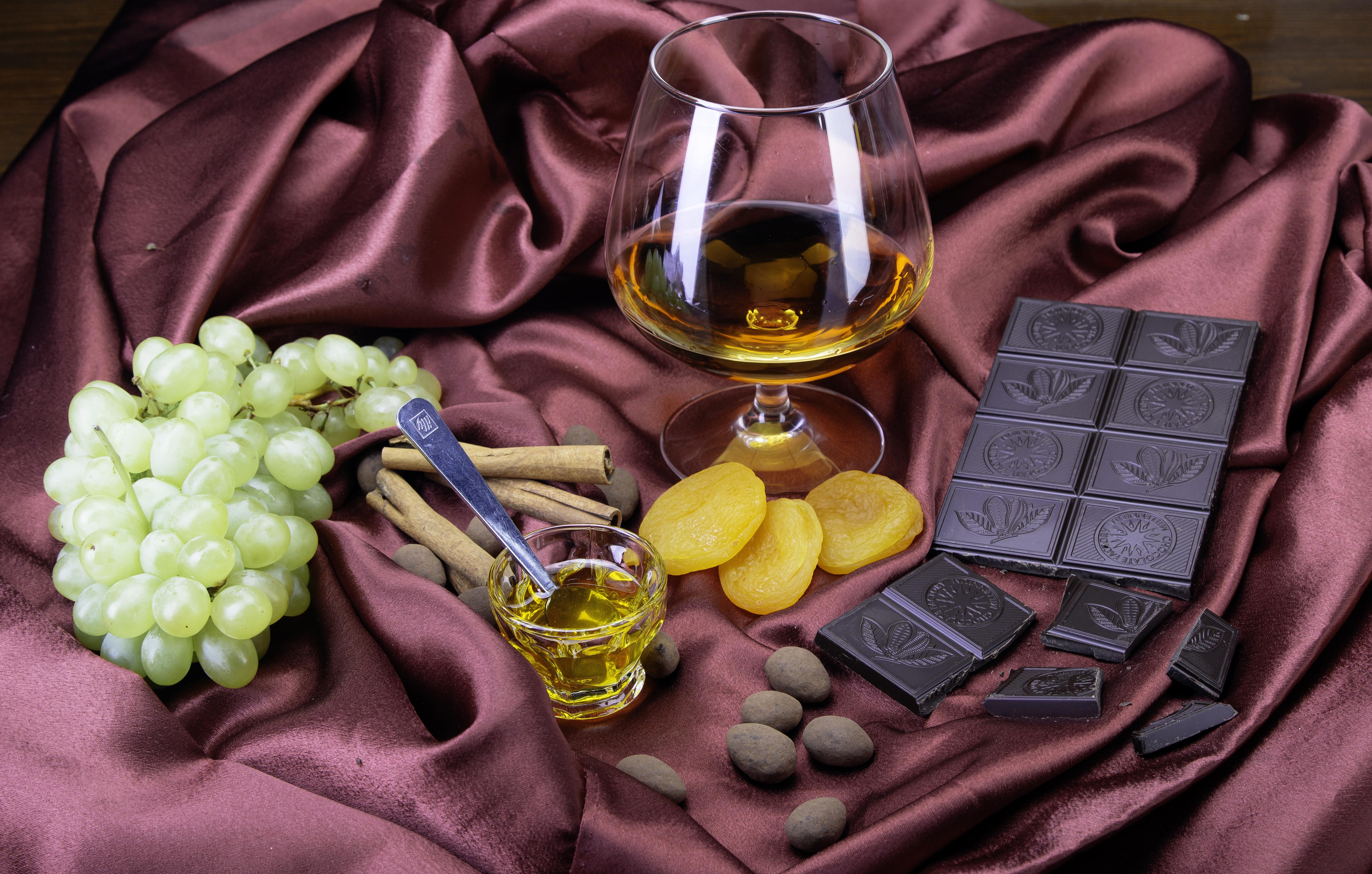 Картинки с цветами и виски