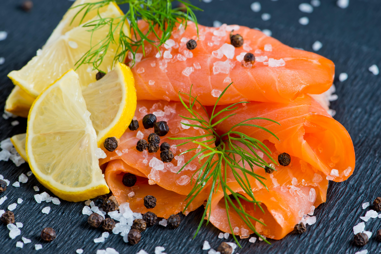 фото красной рыбы на столе можете узнать цены