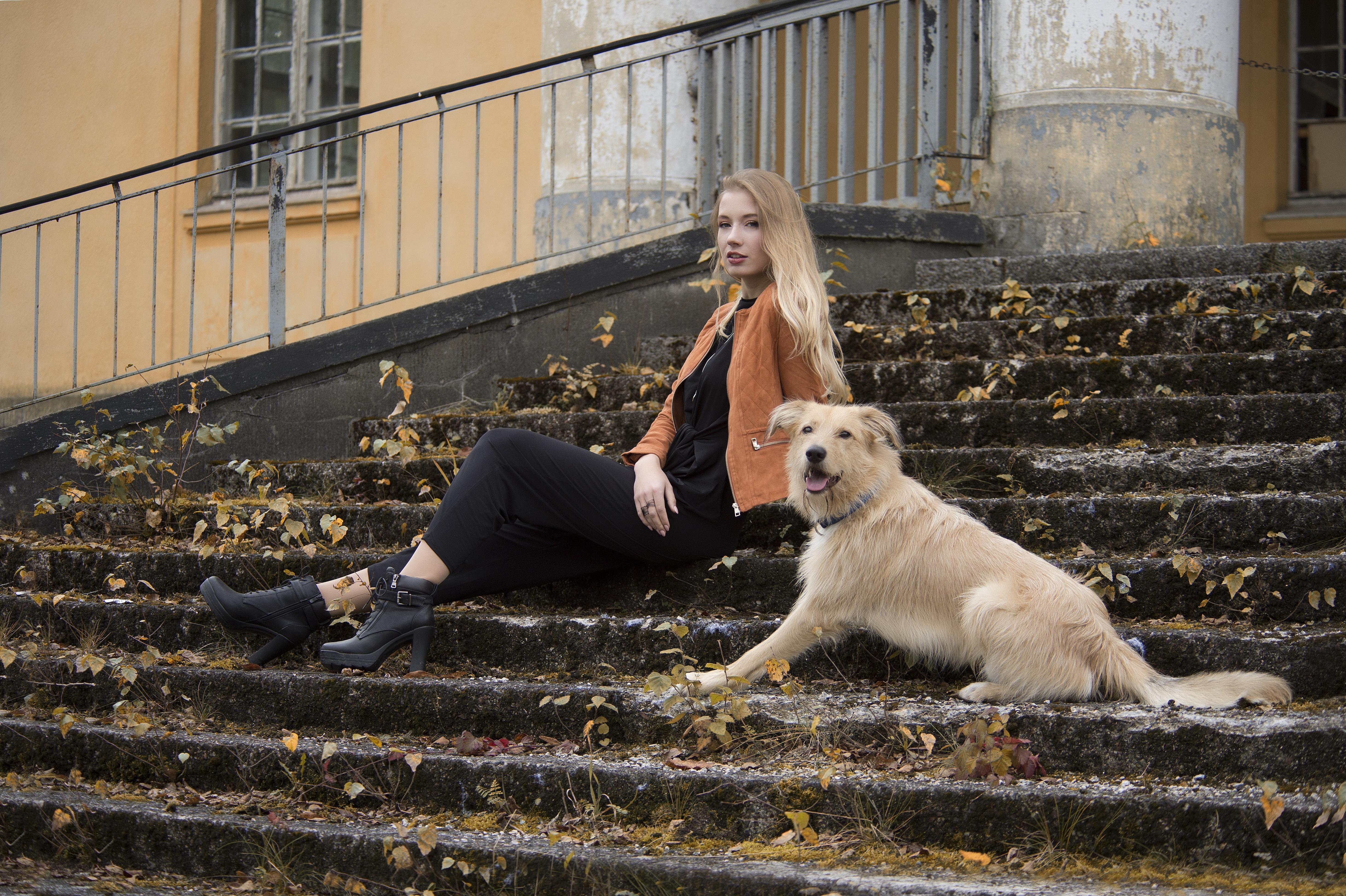 Девушка в украине жила с собаками