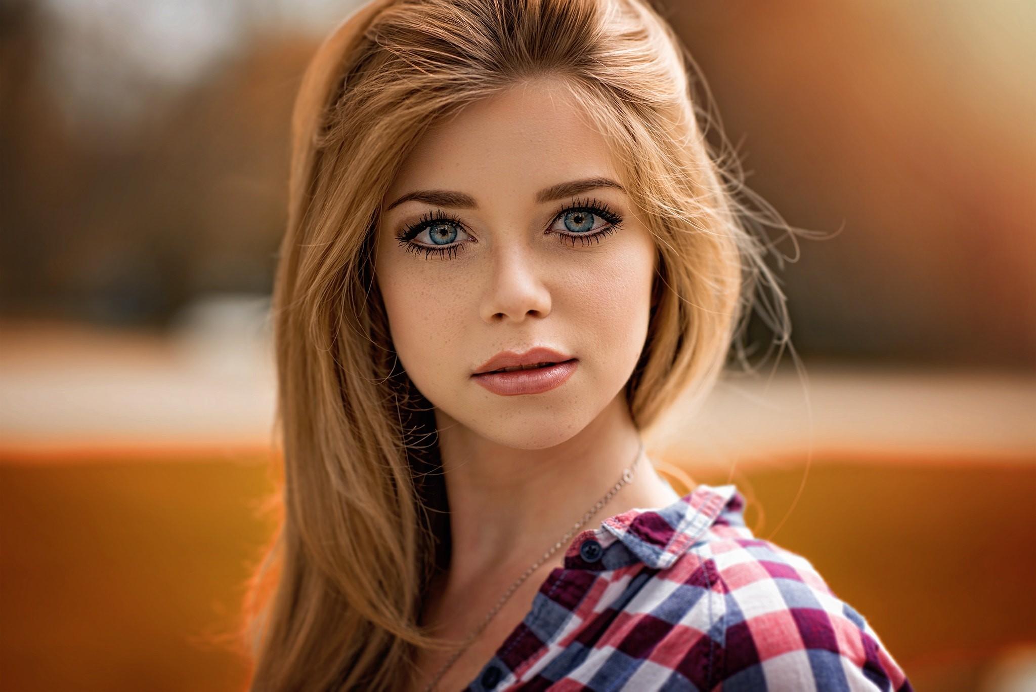 Девушки картинки синими глазами