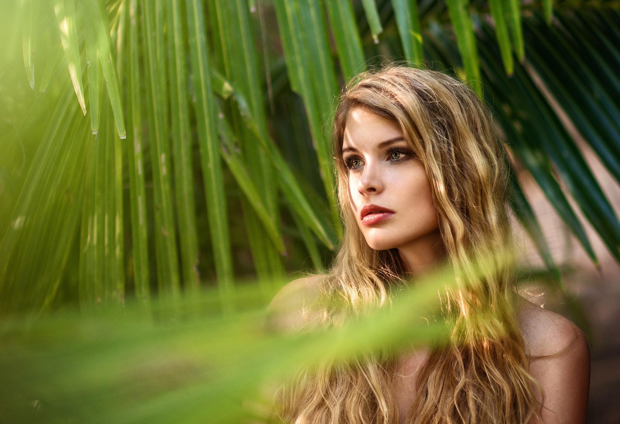 Фото в джунглях девушки