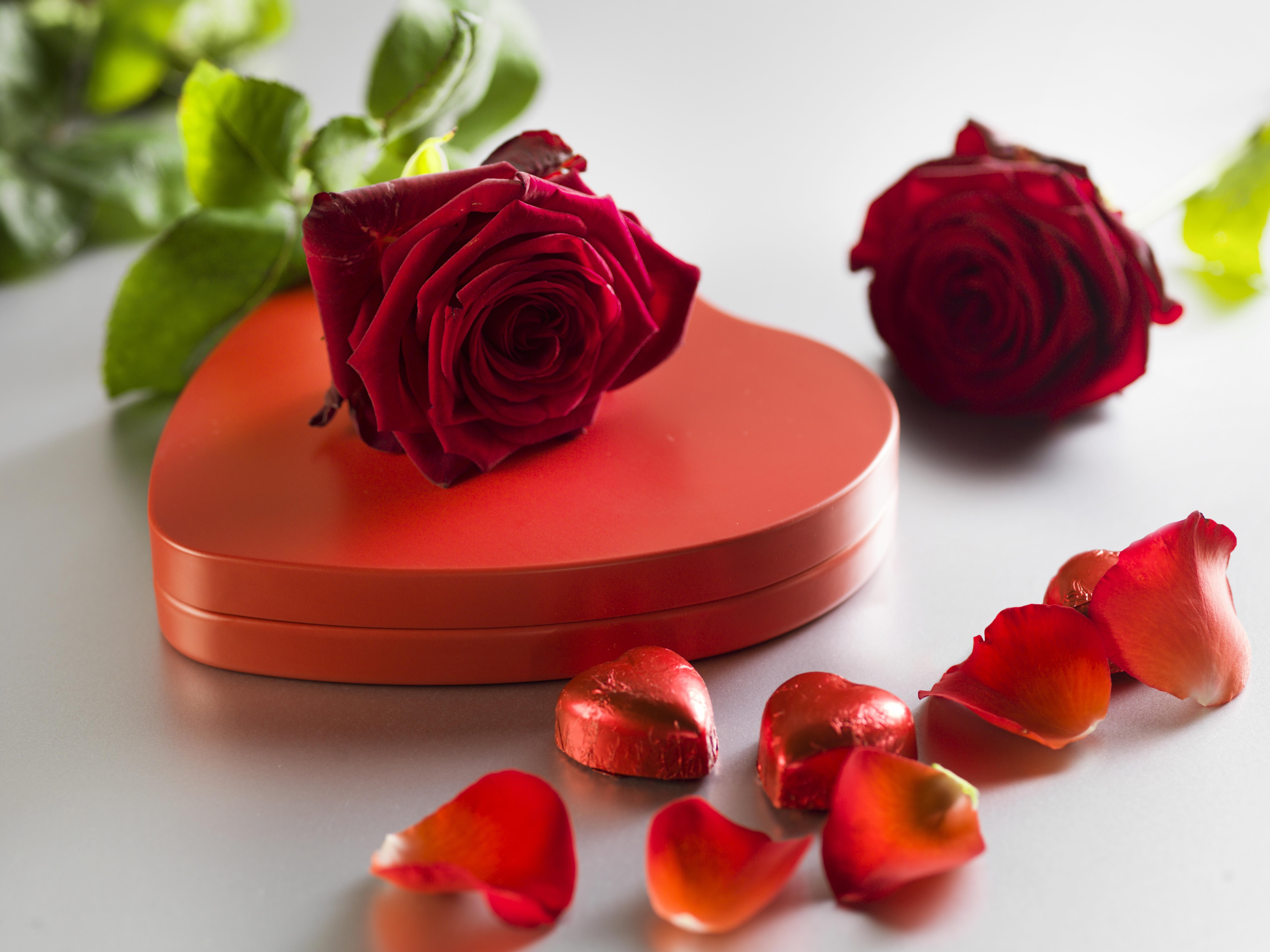 Сердце с розами открытка