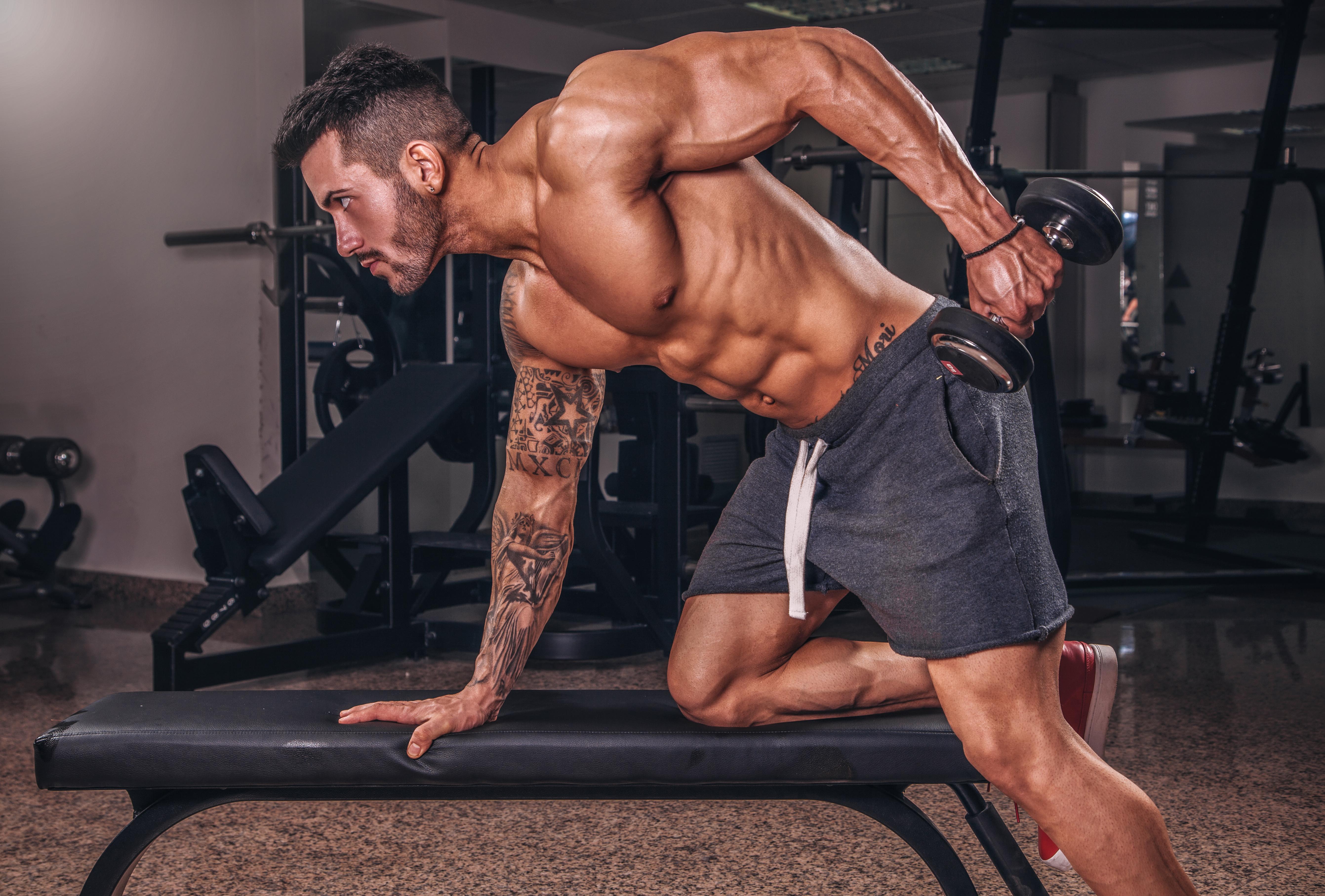 Фото в спортзале мужчин